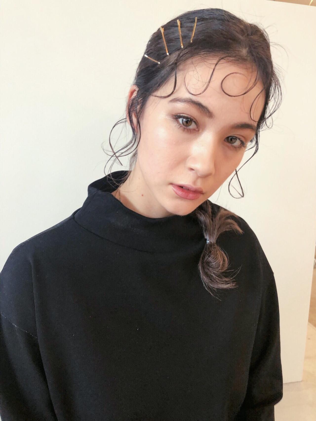 アンニュイほつれヘア ガーリー 簡単ヘアアレンジ ベージュ ヘアスタイルや髪型の写真・画像
