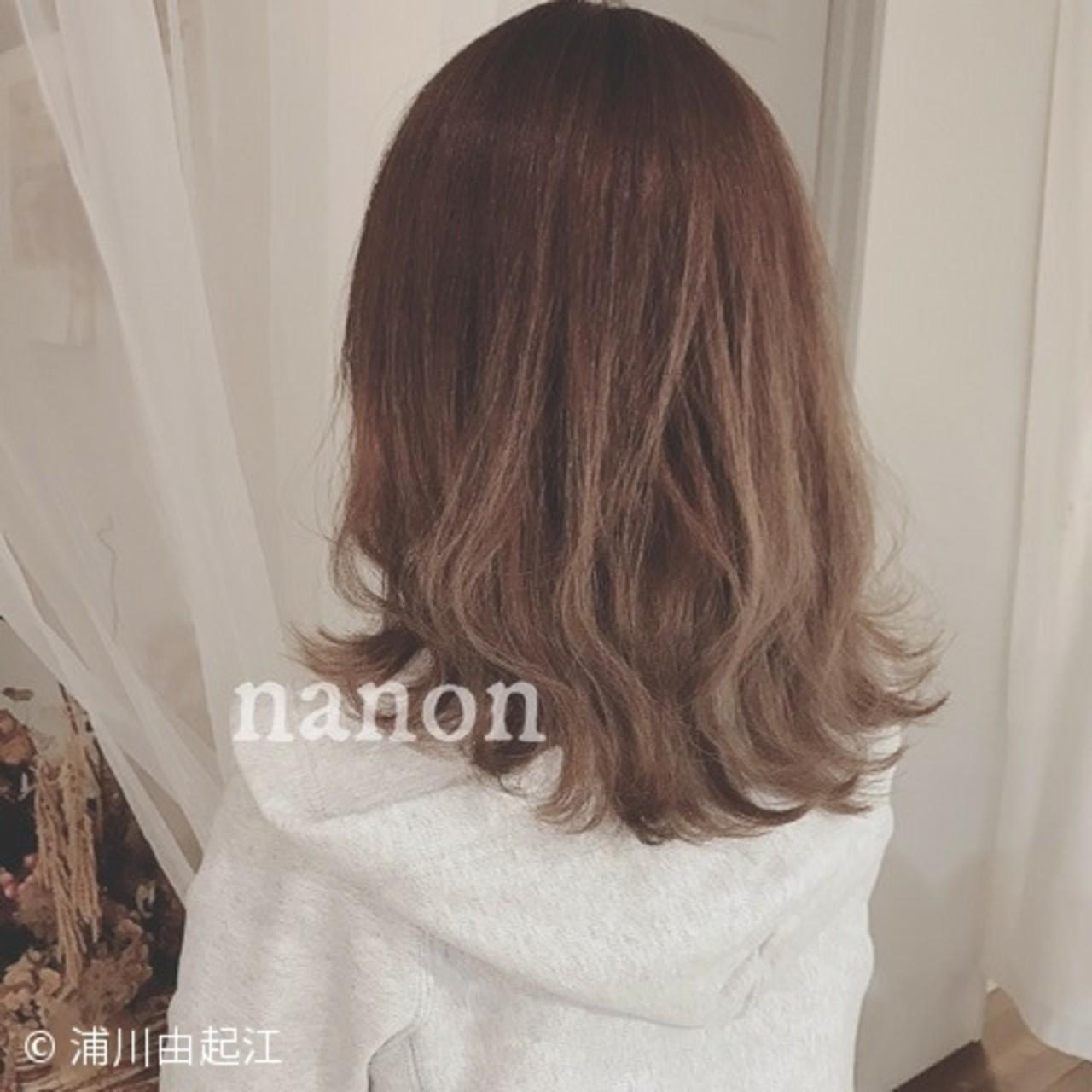 大人かわいい フェミニン アンニュイほつれヘア インナーカラー ヘアスタイルや髪型の写真・画像