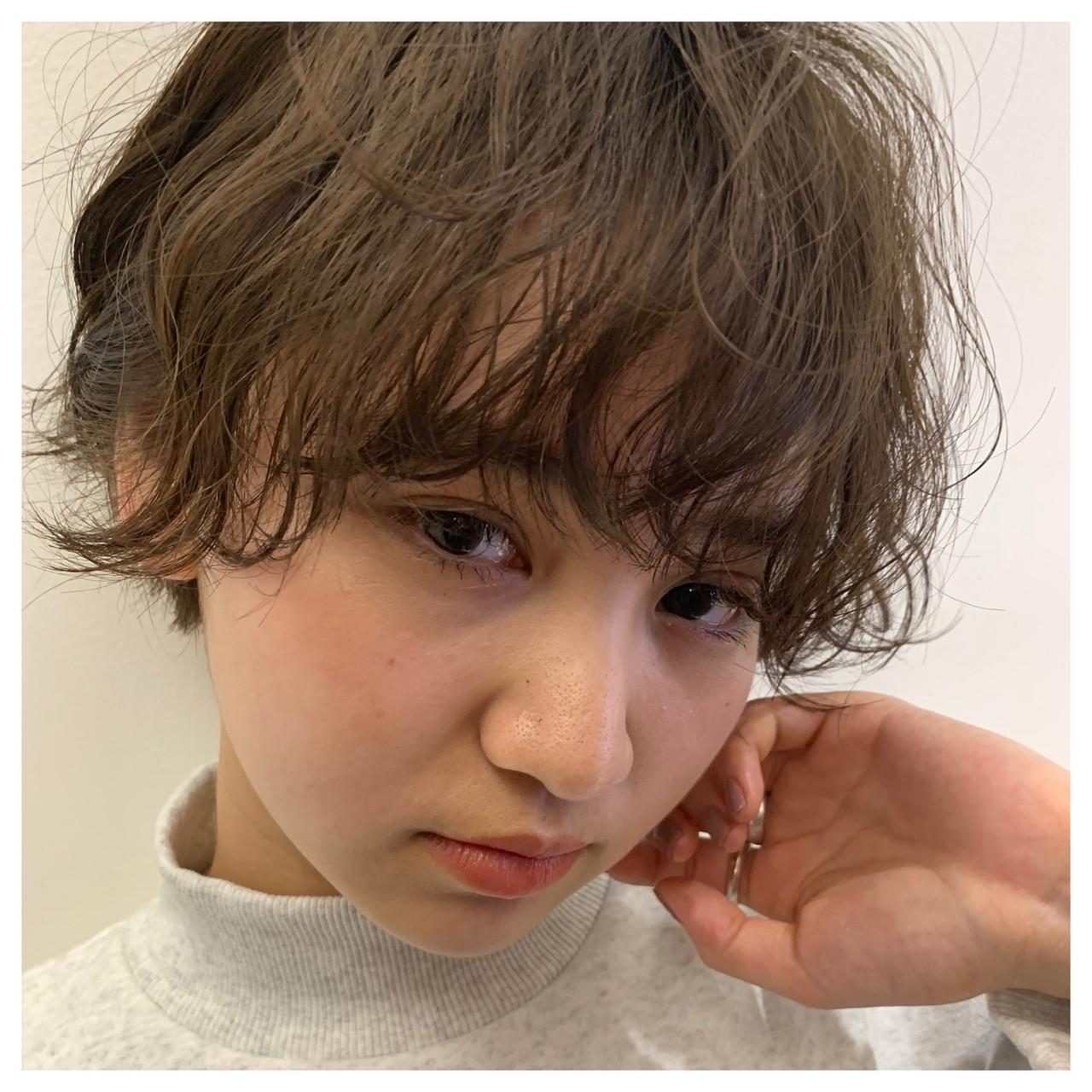ショート 波巻き 前髪パーマ ショートヘア ヘアスタイルや髪型の写真・画像