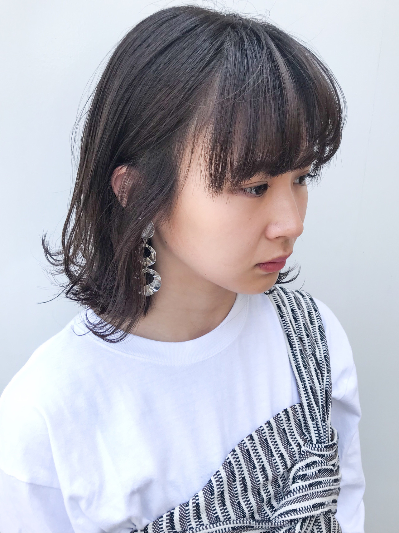 コンサバ デート ミディアム 横顔美人 ヘアスタイルや髪型の写真・画像 | HIROKI / roijir / roijir