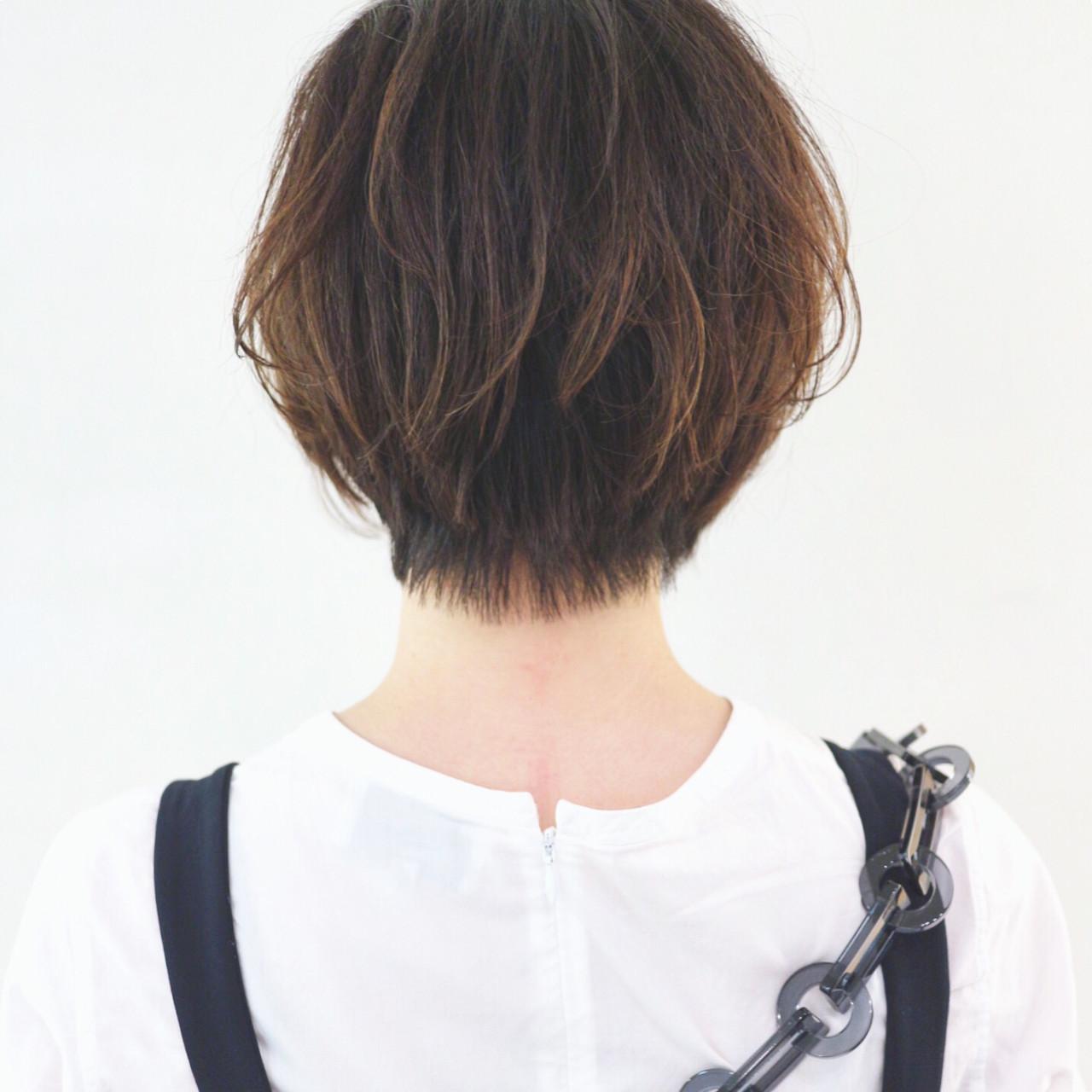 ハンサムショート 黒髪ショート ショート グラデーションカラー ヘアスタイルや髪型の写真・画像
