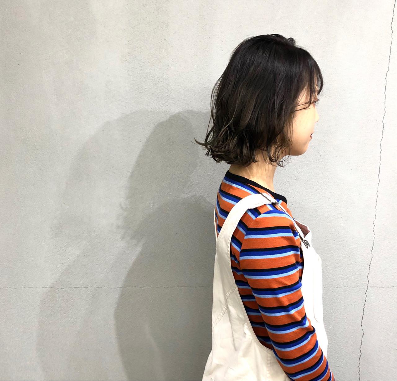 ボブ 外ハネボブ 波ウェーブ 簡単スタイリング ヘアスタイルや髪型の写真・画像