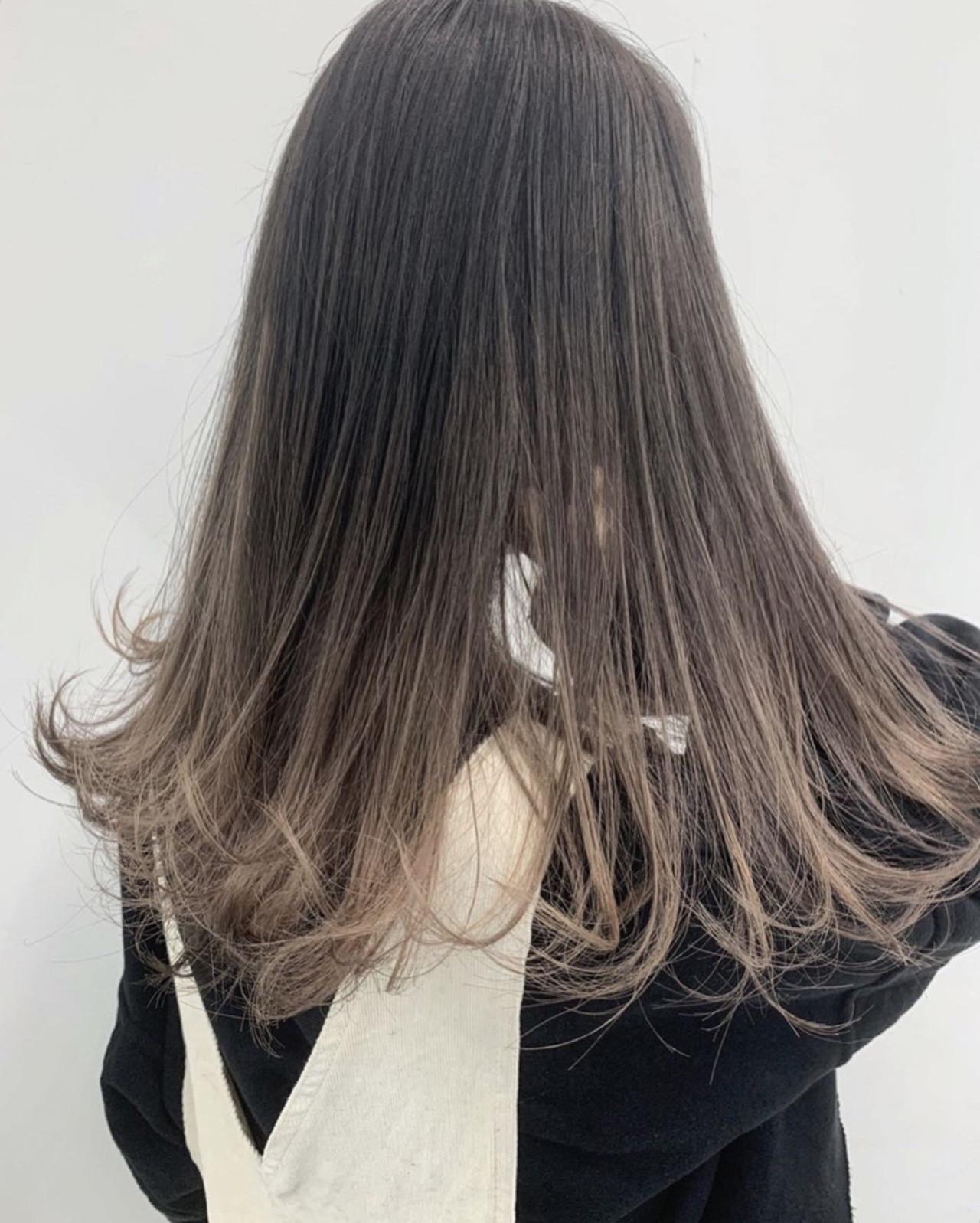 セミロング バレイヤージュ ナチュラル グラデーションカラー ヘアスタイルや髪型の写真・画像