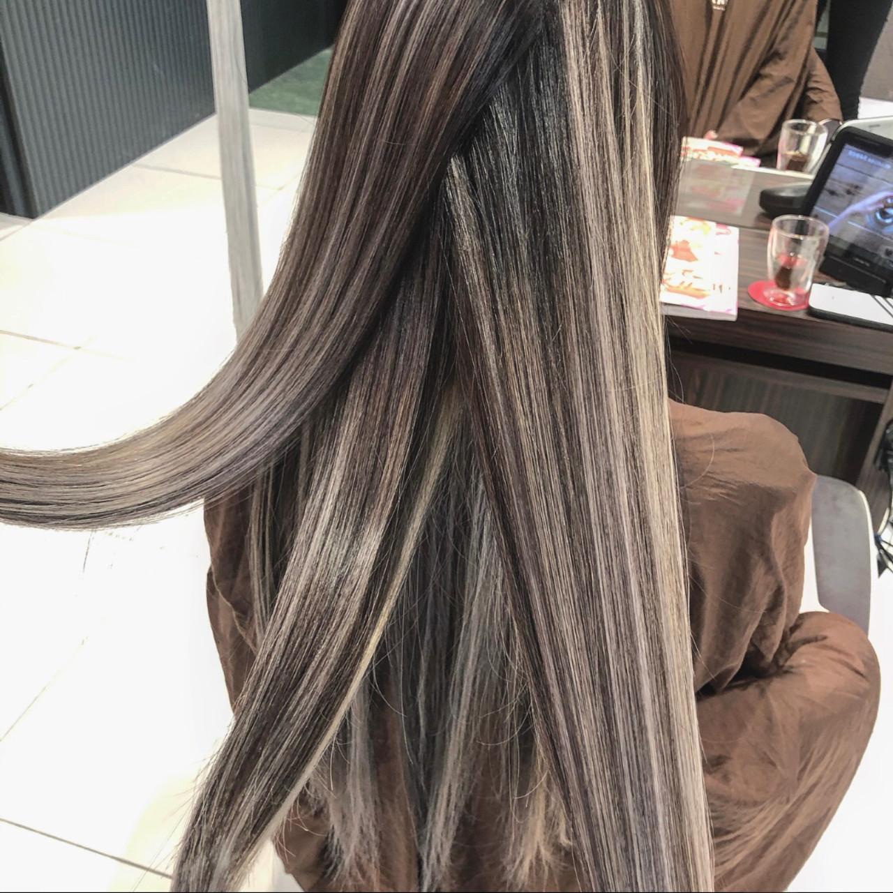 結婚式 バレイヤージュ 外国人風カラー ロング ヘアスタイルや髪型の写真・画像 | アンドウ ユウ / agu hair edge
