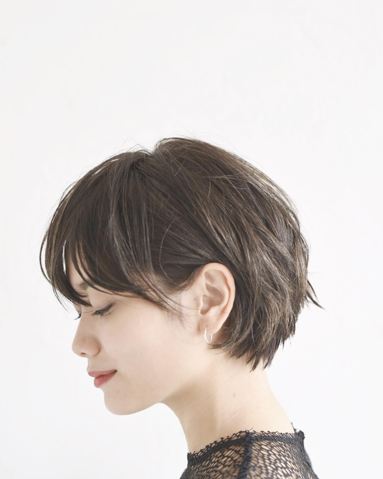 ショート 黒髪 アウトドア モード ヘアスタイルや髪型の写真・画像