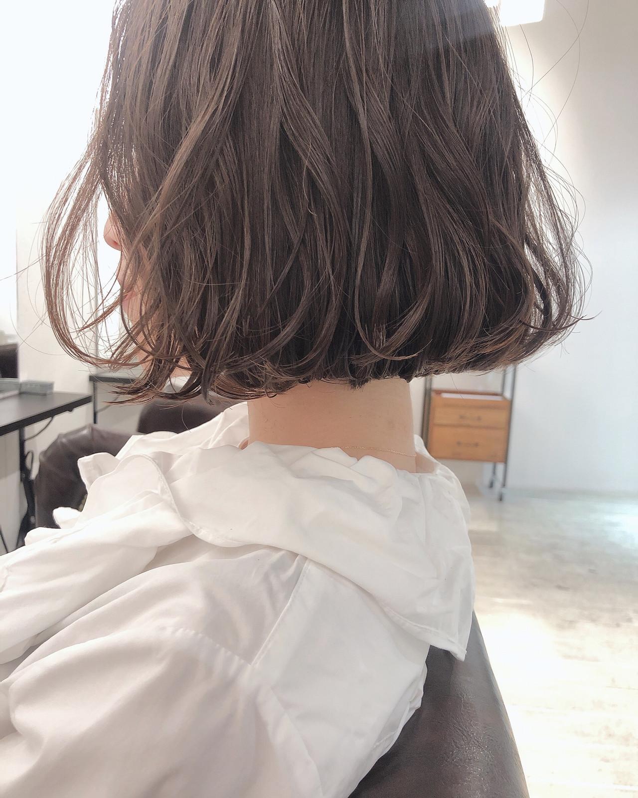 切りっぱなしボブ 大人かわいい ボブ アッシュベージュ ヘアスタイルや髪型の写真・画像