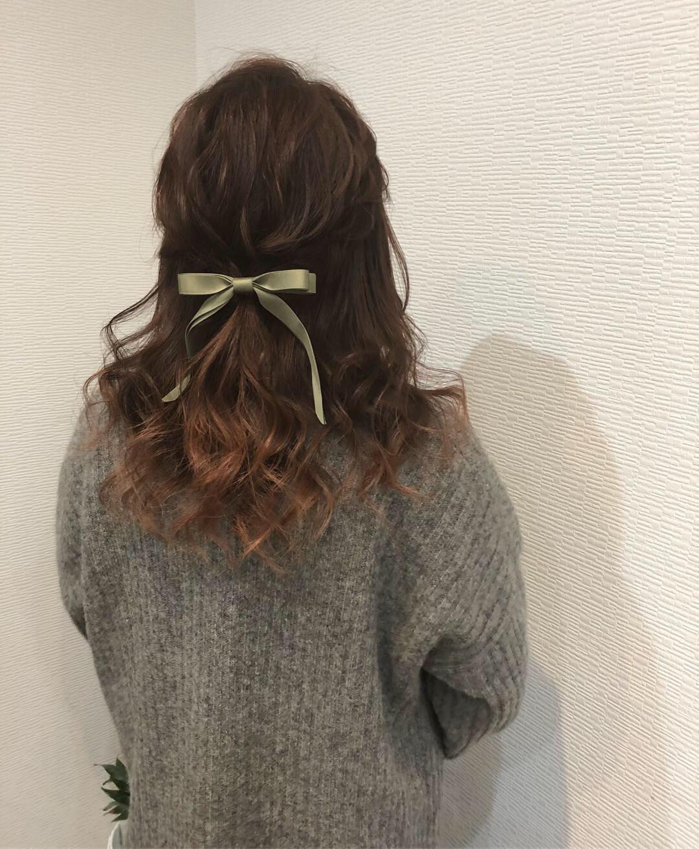 セミロング ガーリー 編み込み ハーフアップ ヘアスタイルや髪型の写真・画像