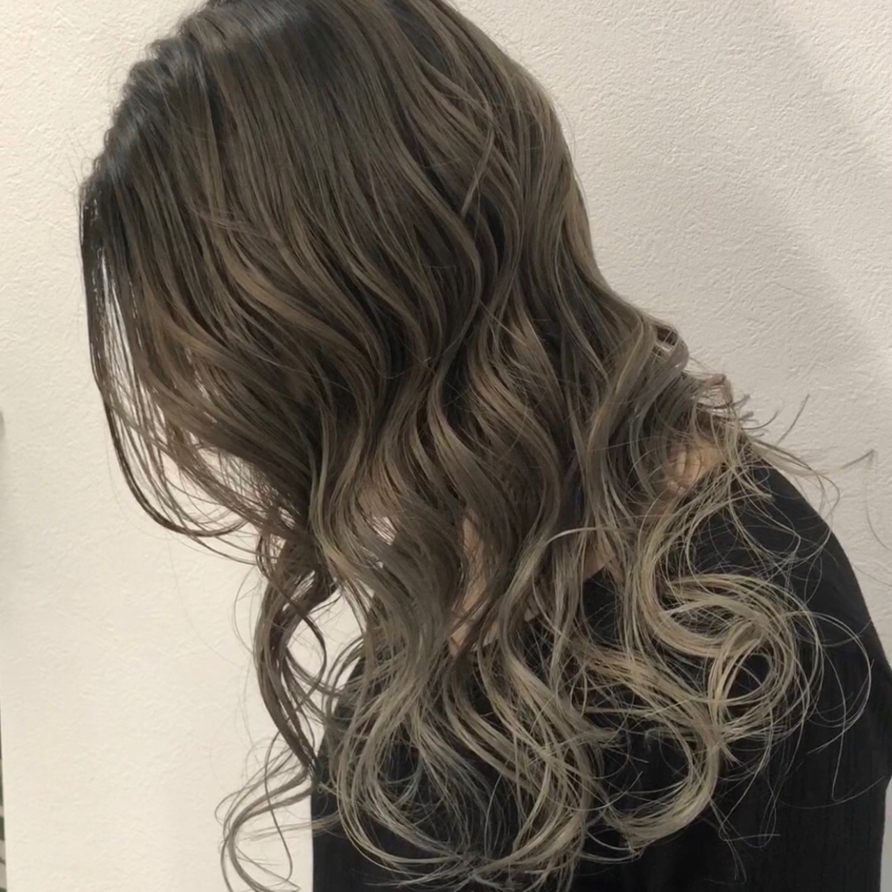 ストリート デート 外国人風カラー 外国人風 ヘアスタイルや髪型の写真・画像   アンドウ ユウ / agu hair edge
