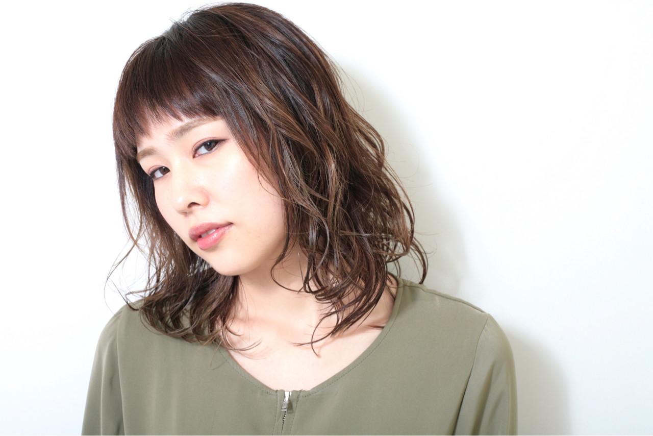 女子力 ウェーブ 外国人風 ハイライト ヘアスタイルや髪型の写真・画像 | 正司園 智之 / modish beauty