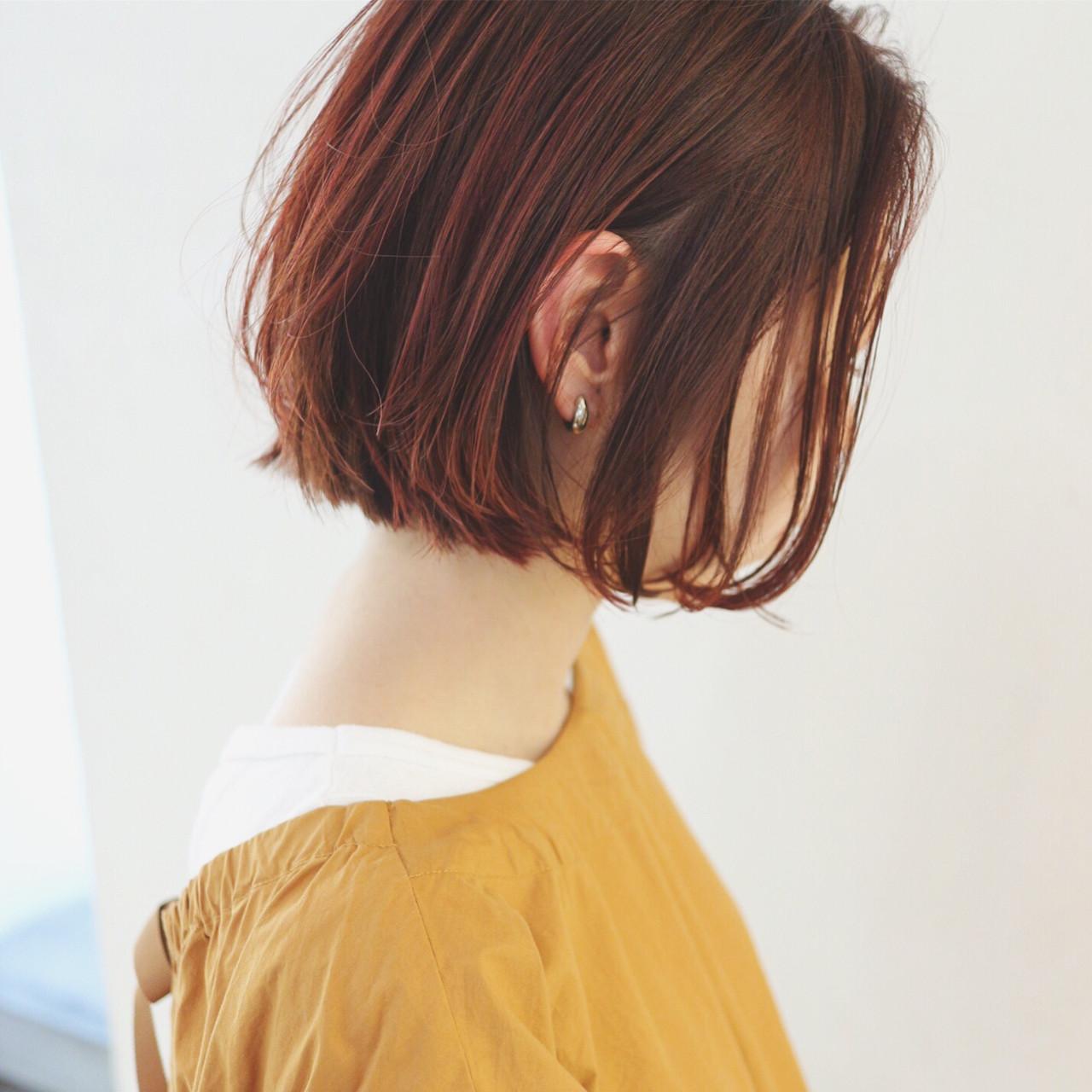 ミニボブ チェリーレッド ストリート 赤髪 ヘアスタイルや髪型の写真・画像
