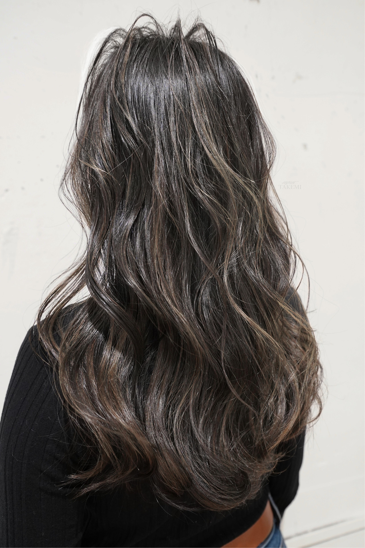 バレイヤージュ グレージュ ハイライト ナチュラル ヘアスタイルや髪型の写真・画像