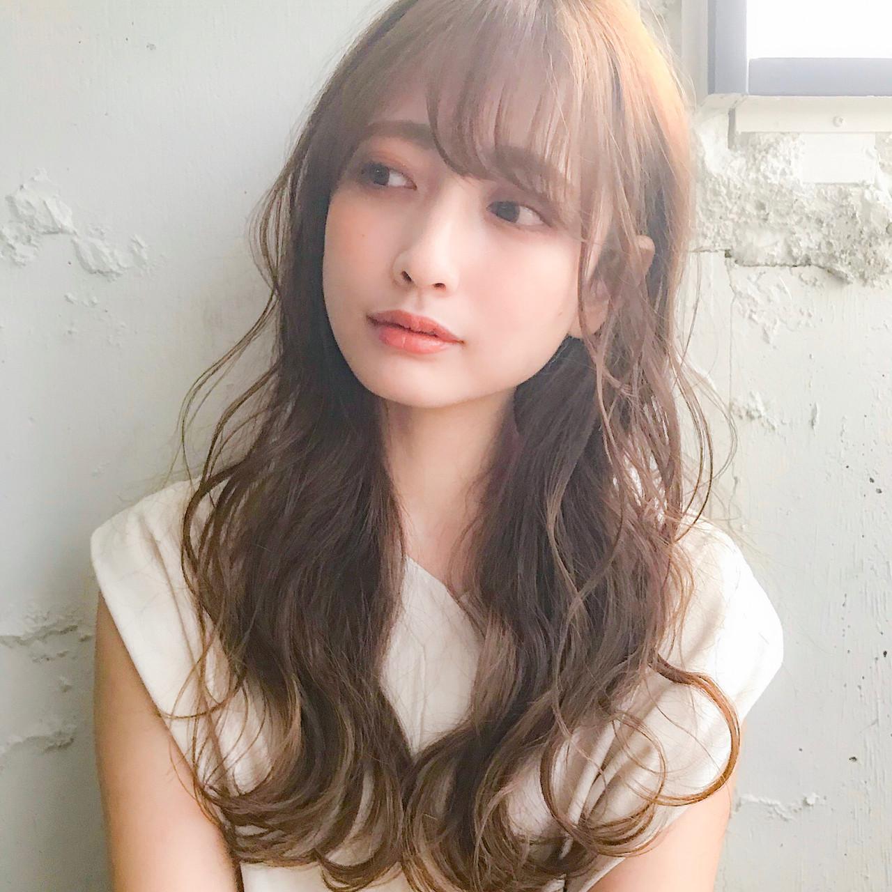 巻き髪 ゆるふわパーマ シースルーバング セミロング ヘアスタイルや髪型の写真・画像