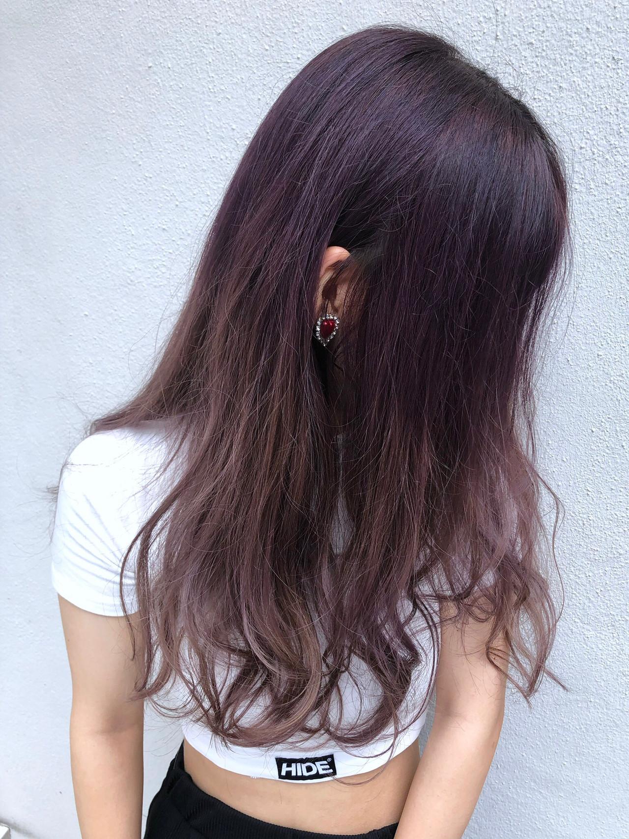 セミロング ベリーピンク ショートヘア ナチュラル ヘアスタイルや髪型の写真・画像