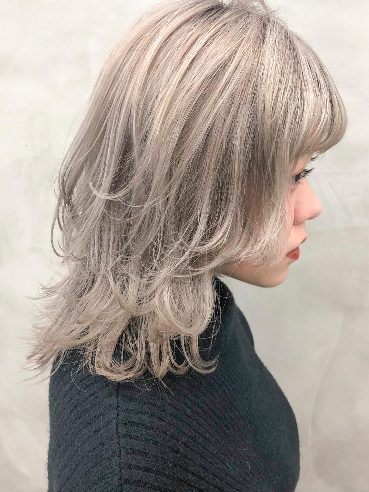 ゆるふわ ストリート ウルフカット ハイトーンカラー ヘアスタイルや髪型の写真・画像