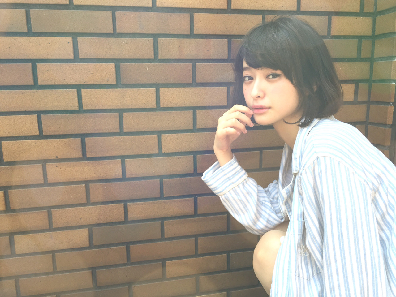 黒髪より魅力的。透明感のある「暗髪美人」をつくる方法  OYAMA KENICHI