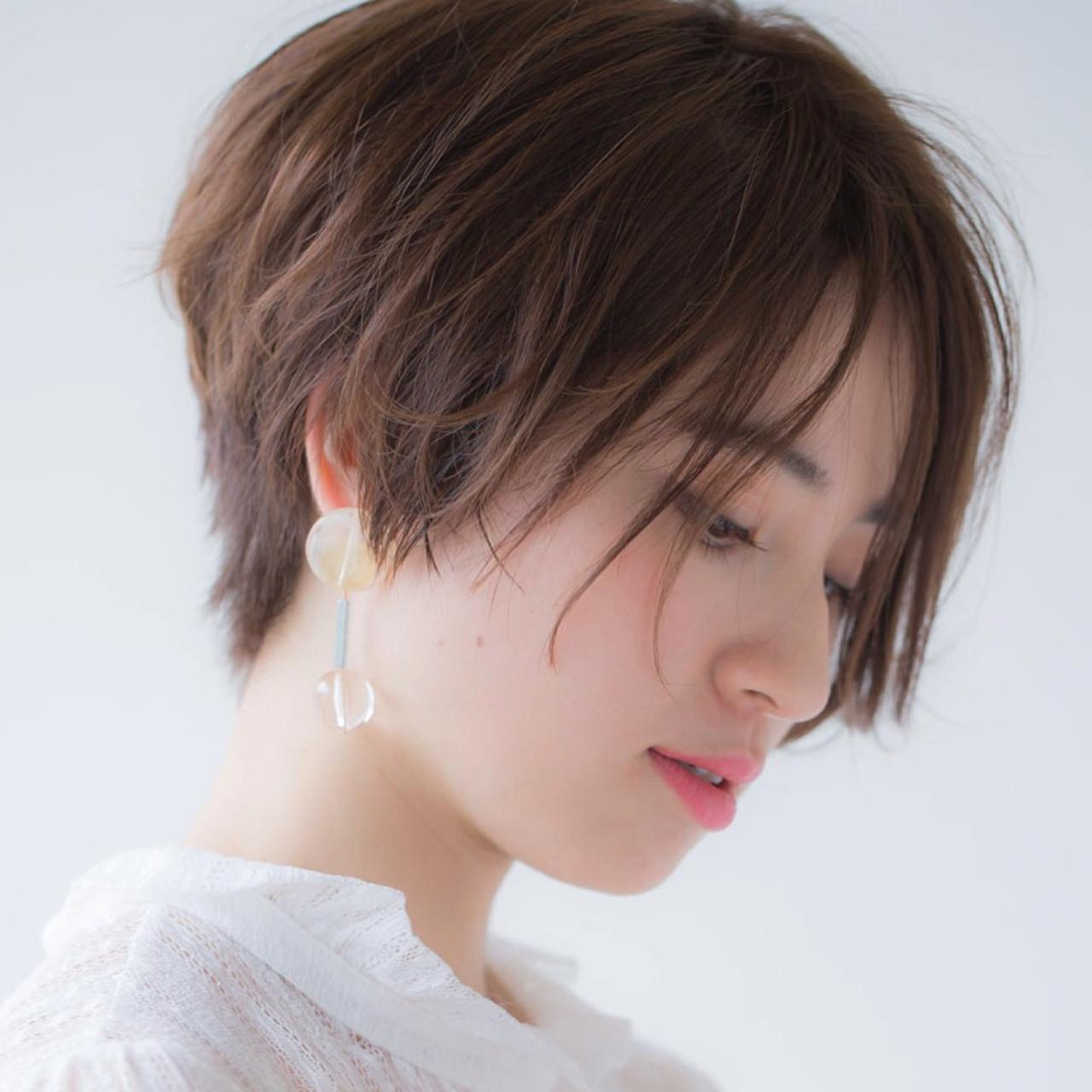 大人女子 ショート ナチュラル 小顔 ヘアスタイルや髪型の写真・画像 | NAOMI / Ramie