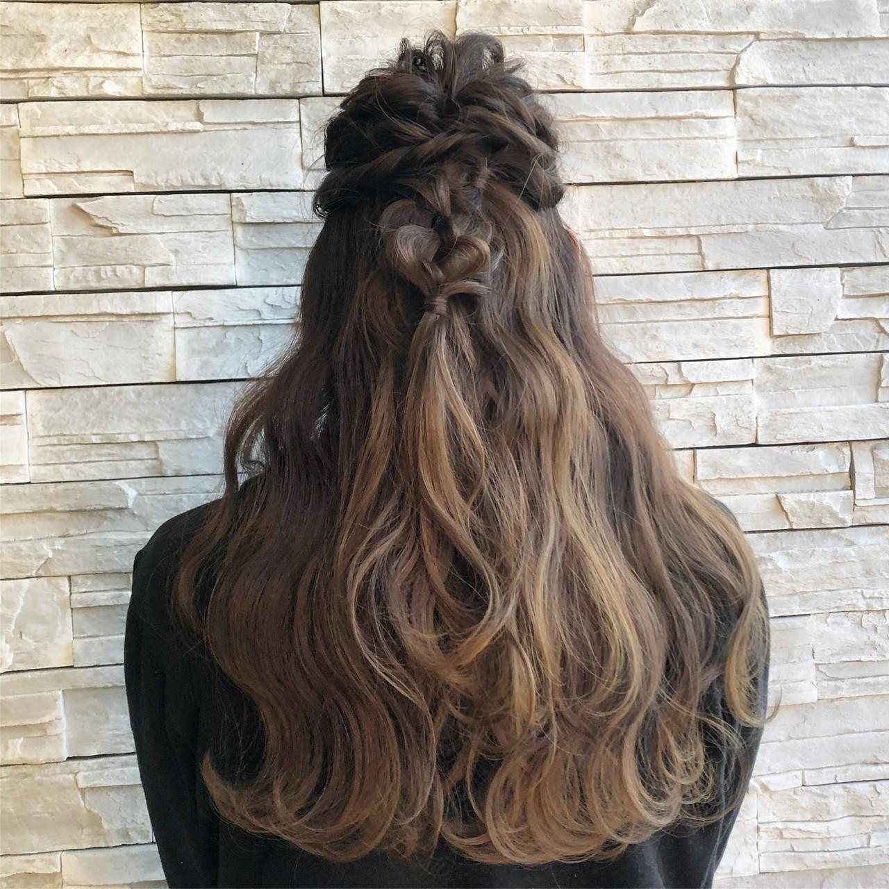 簡単ヘアアレンジ ナチュラルグラデーション ガーリー ロング ヘアスタイルや髪型の写真・画像