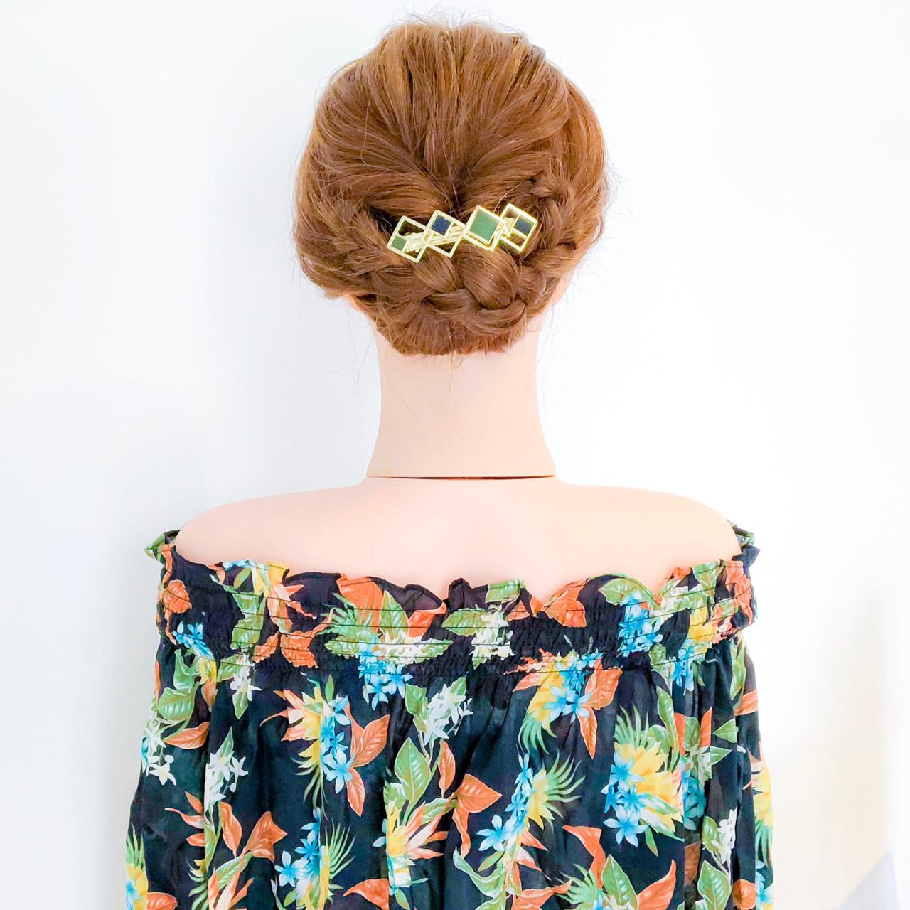 結婚式 フェミニン ヘアアレンジ 三つ編み ヘアスタイルや髪型の写真・画像
