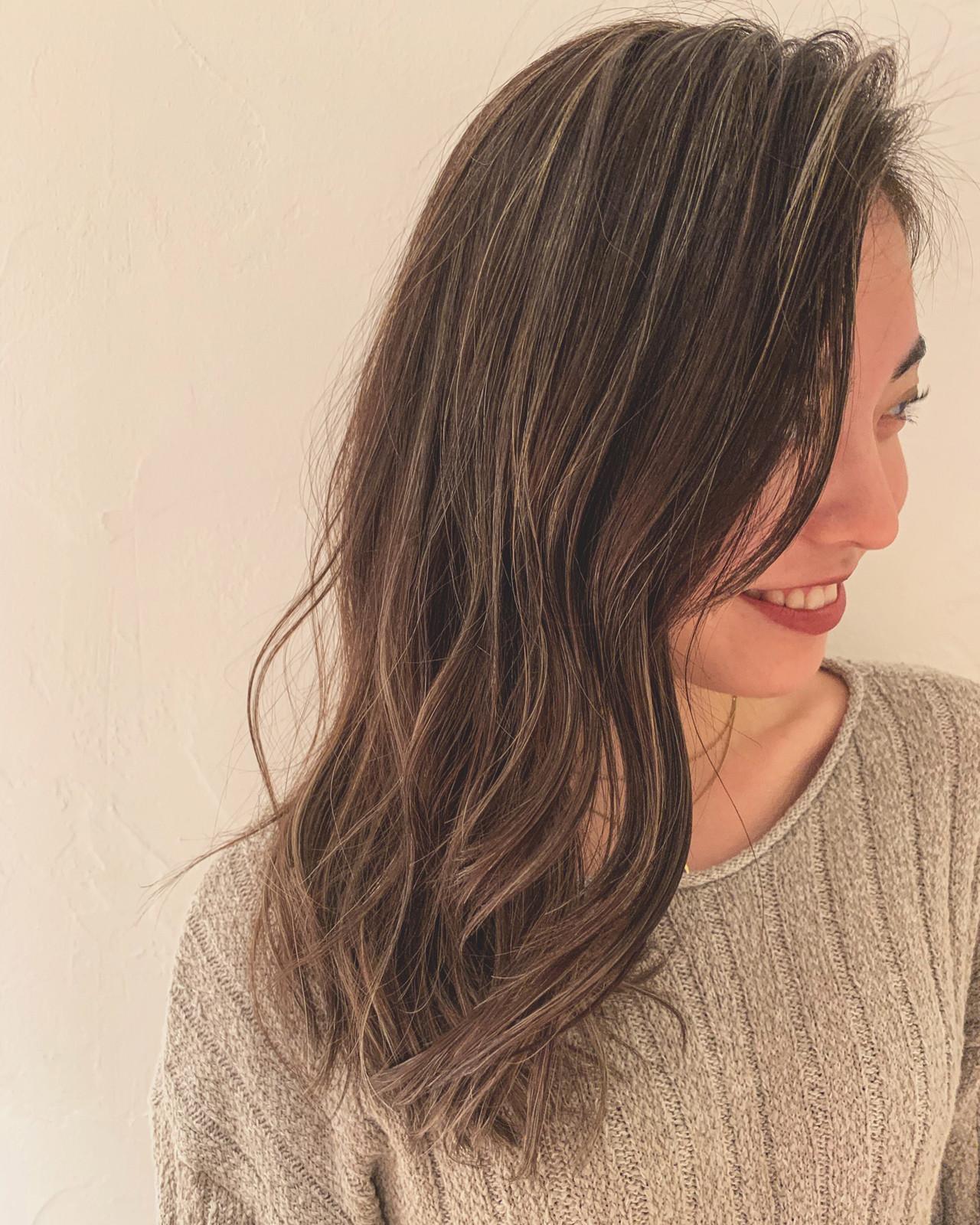 アッシュ エレガント 外国人風カラー デート ヘアスタイルや髪型の写真・画像