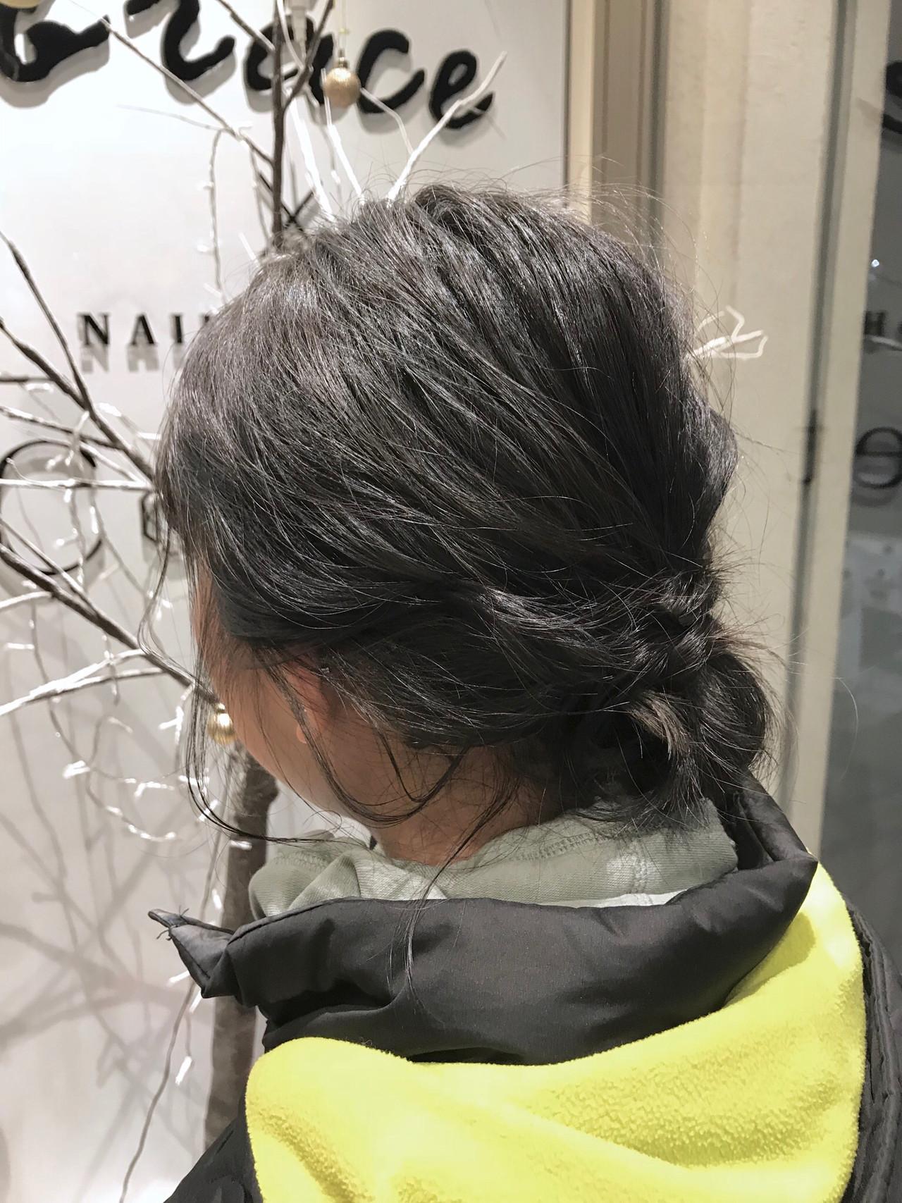 アンニュイほつれヘア ヘアアレンジ ショート グレージュ ヘアスタイルや髪型の写真・画像