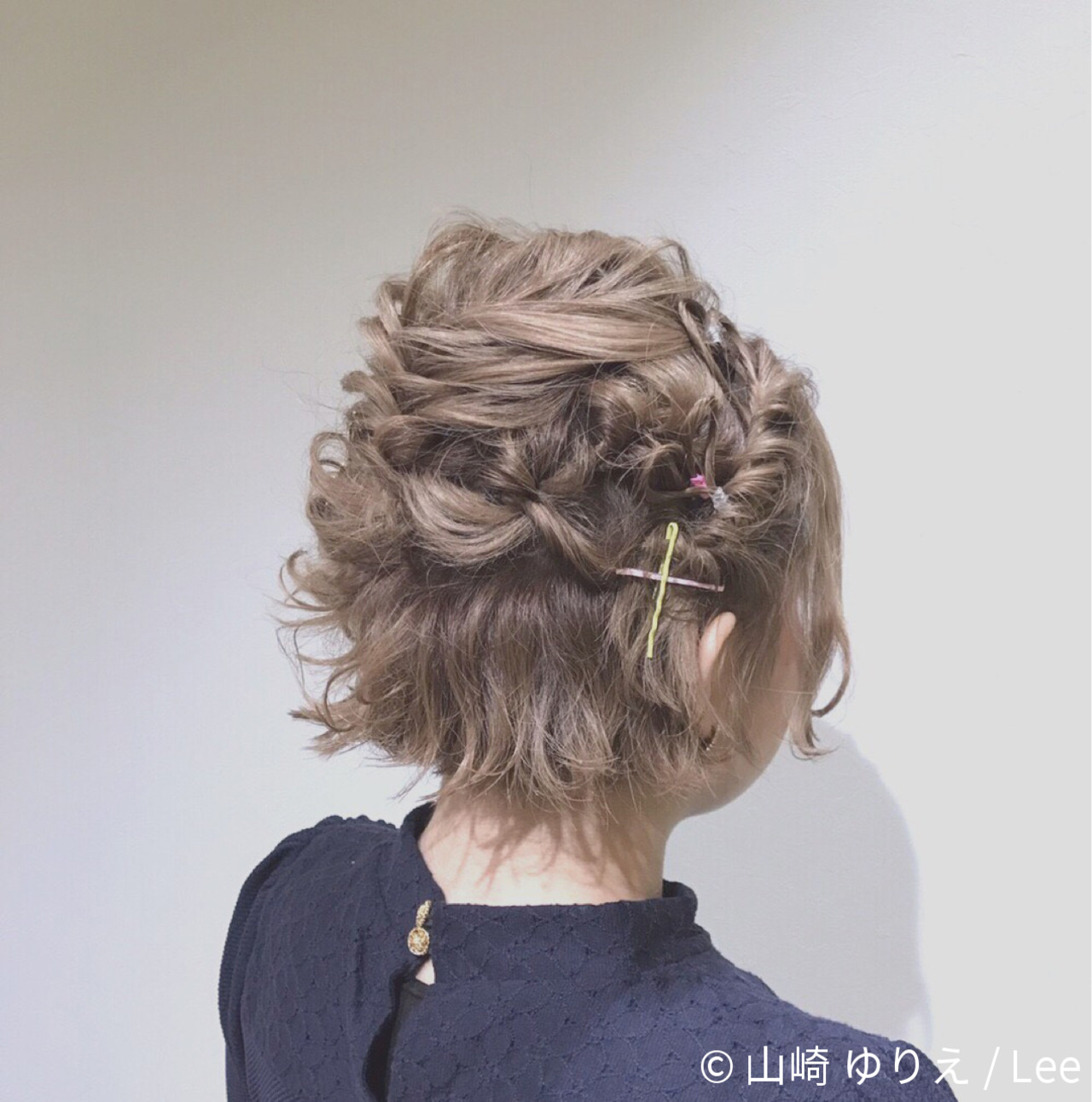 ヘアアレンジ フェミニン ボブ ミルクティー ヘアスタイルや髪型の写真・画像