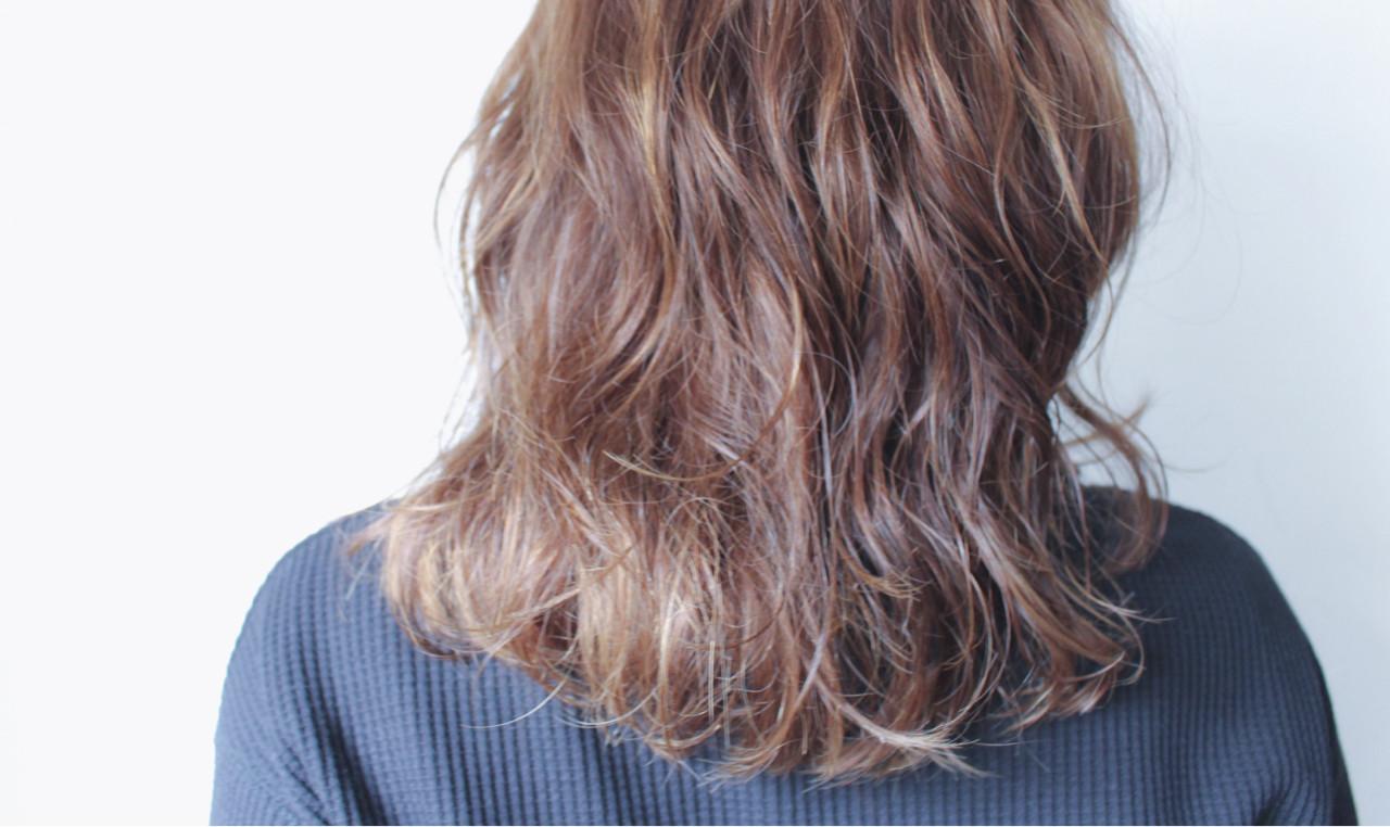 ナチュラル ゆるふわ パーマ セミロング ヘアスタイルや髪型の写真・画像   creap / creap