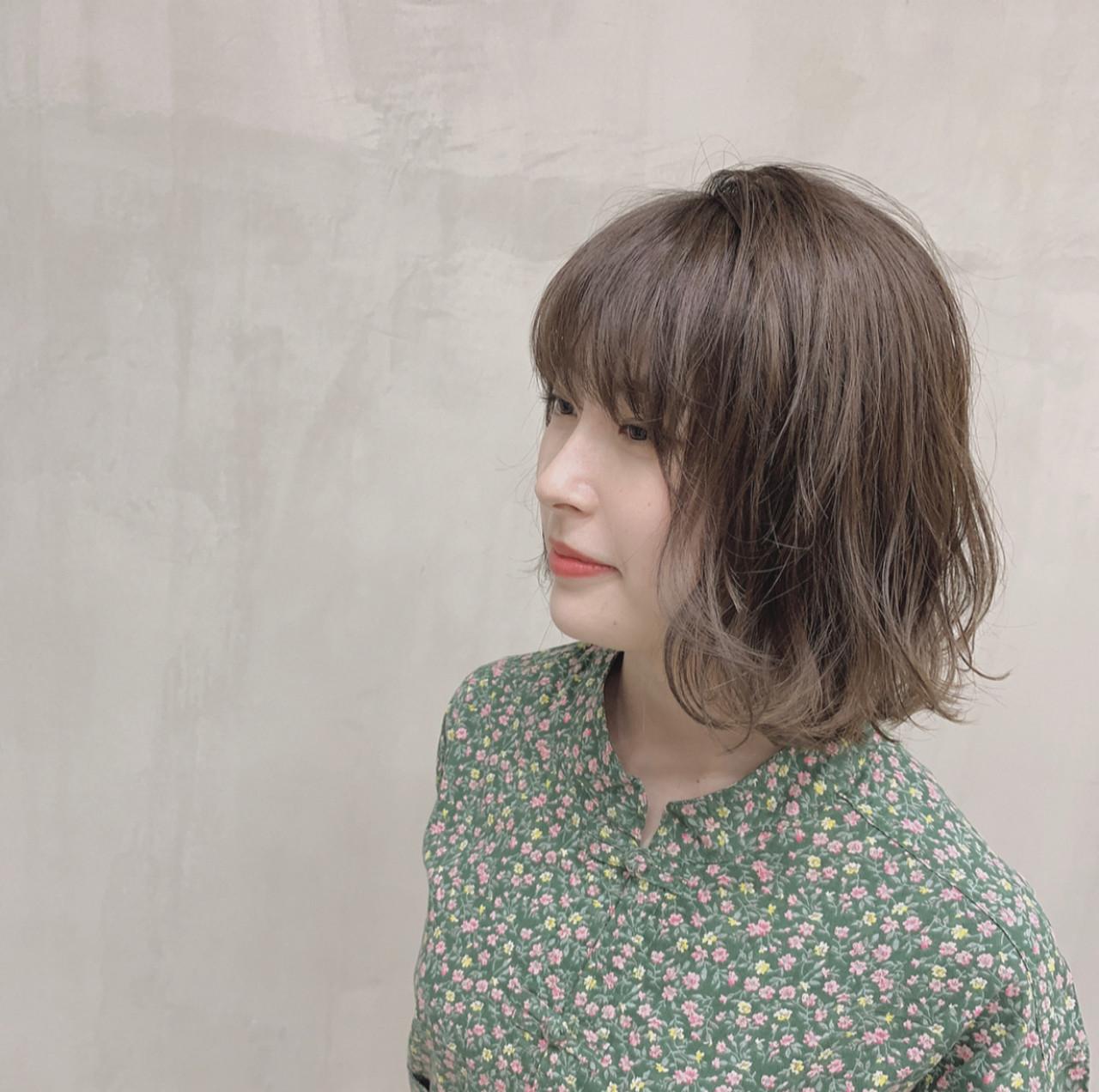 パーマ ナチュラル 外国人風カラー 透明感カラー ヘアスタイルや髪型の写真・画像