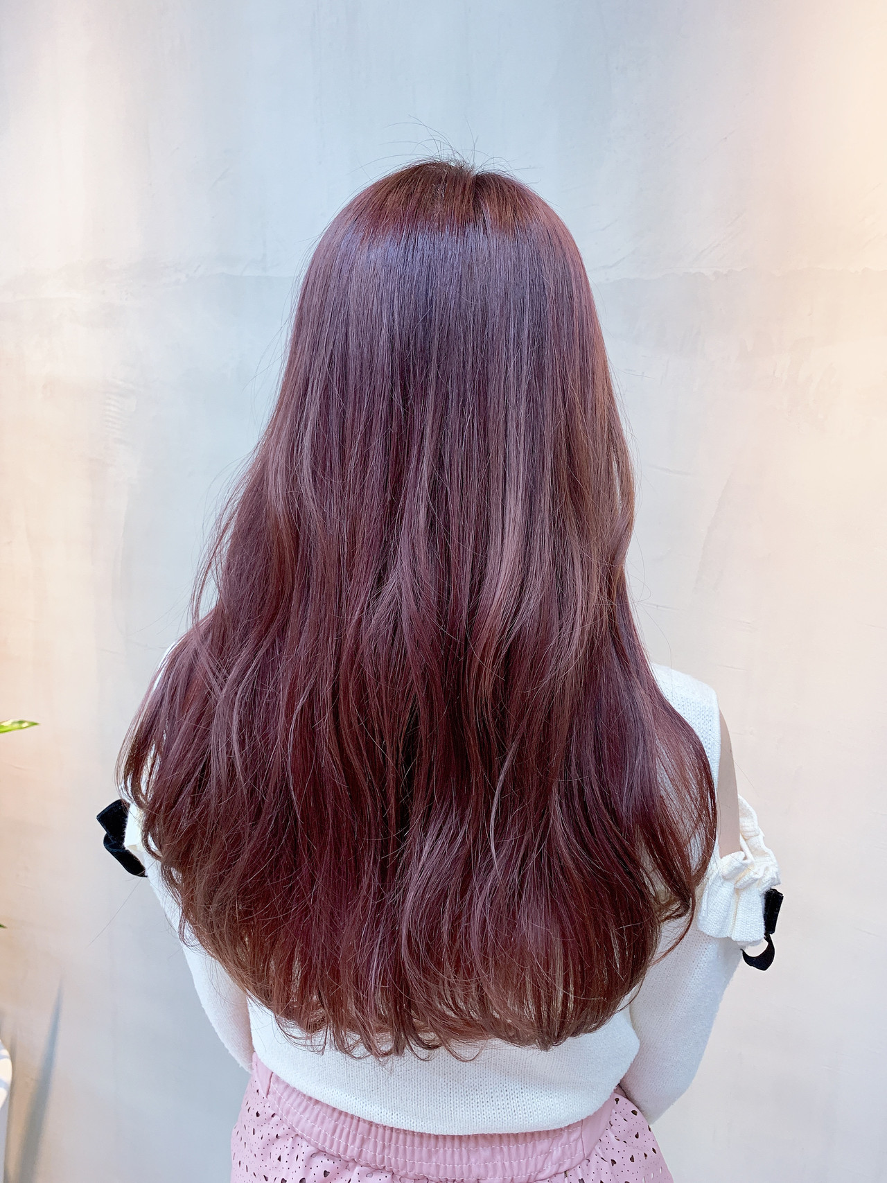 ピンクベージュ 外国人風カラー チェリーピンク ロング ヘアスタイルや髪型の写真・画像