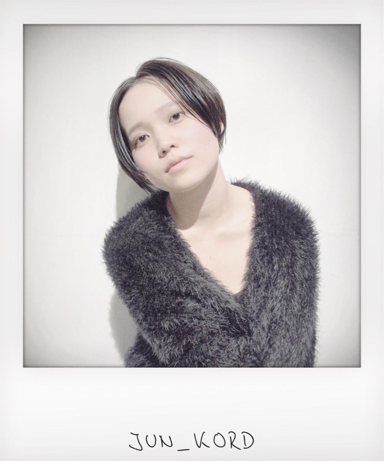 モード グレージュ 暗髪 前下がり ヘアスタイルや髪型の写真・画像   JUN_KORD / KORD