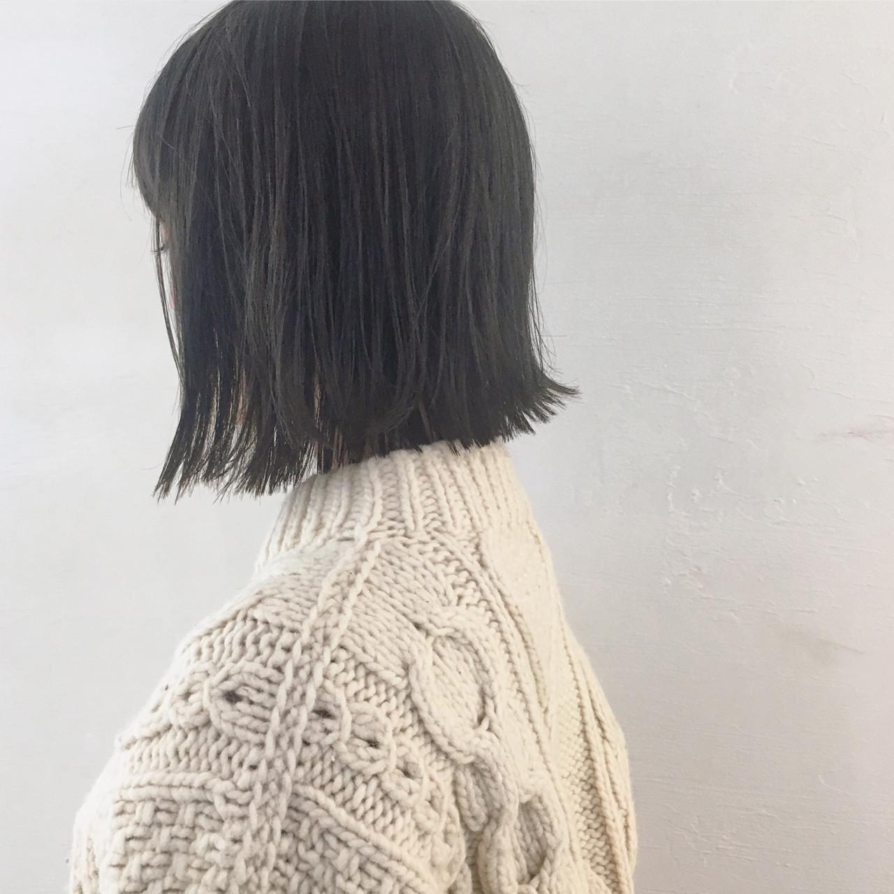 ウェットヘア 黒髪 色気 切りっぱなし ヘアスタイルや髪型の写真・画像