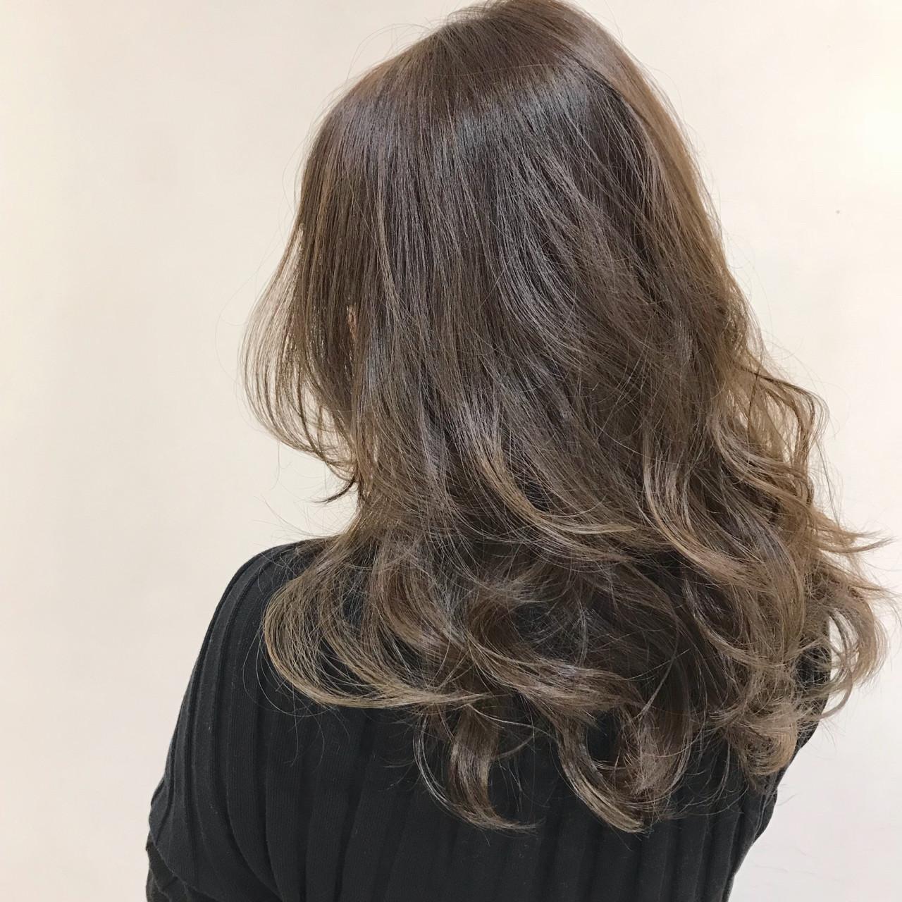 ゆるふわ ハイライト 外国人風カラー アッシュ ヘアスタイルや髪型の写真・画像