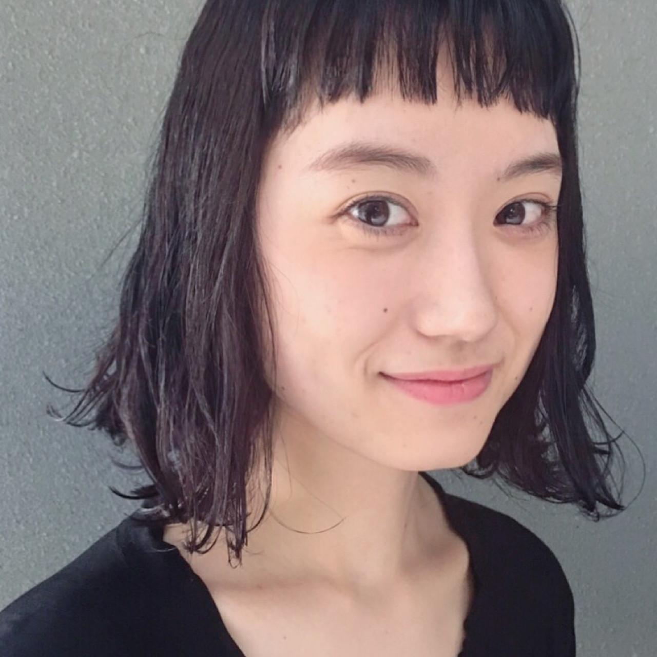 ワイドバング 外国人風 ピュア ナチュラル ヘアスタイルや髪型の写真・画像 | Sachiko Handa / assort