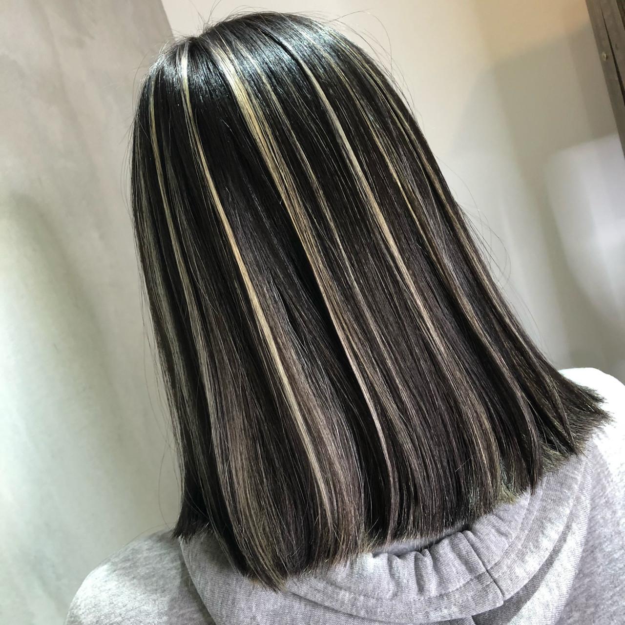 グレー 切りっぱなしボブ 外国人風 ハイライト ヘアスタイルや髪型の写真・画像 | 筒井 隆由 / Hair salon mode
