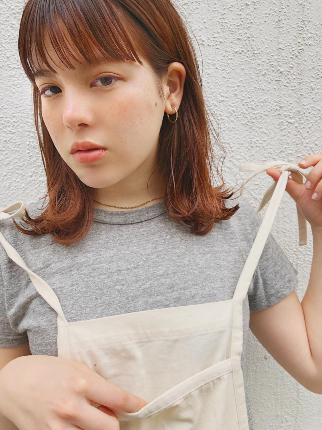 アンニュイほつれヘア スポーツ ガーリー アウトドア ヘアスタイルや髪型の写真・画像