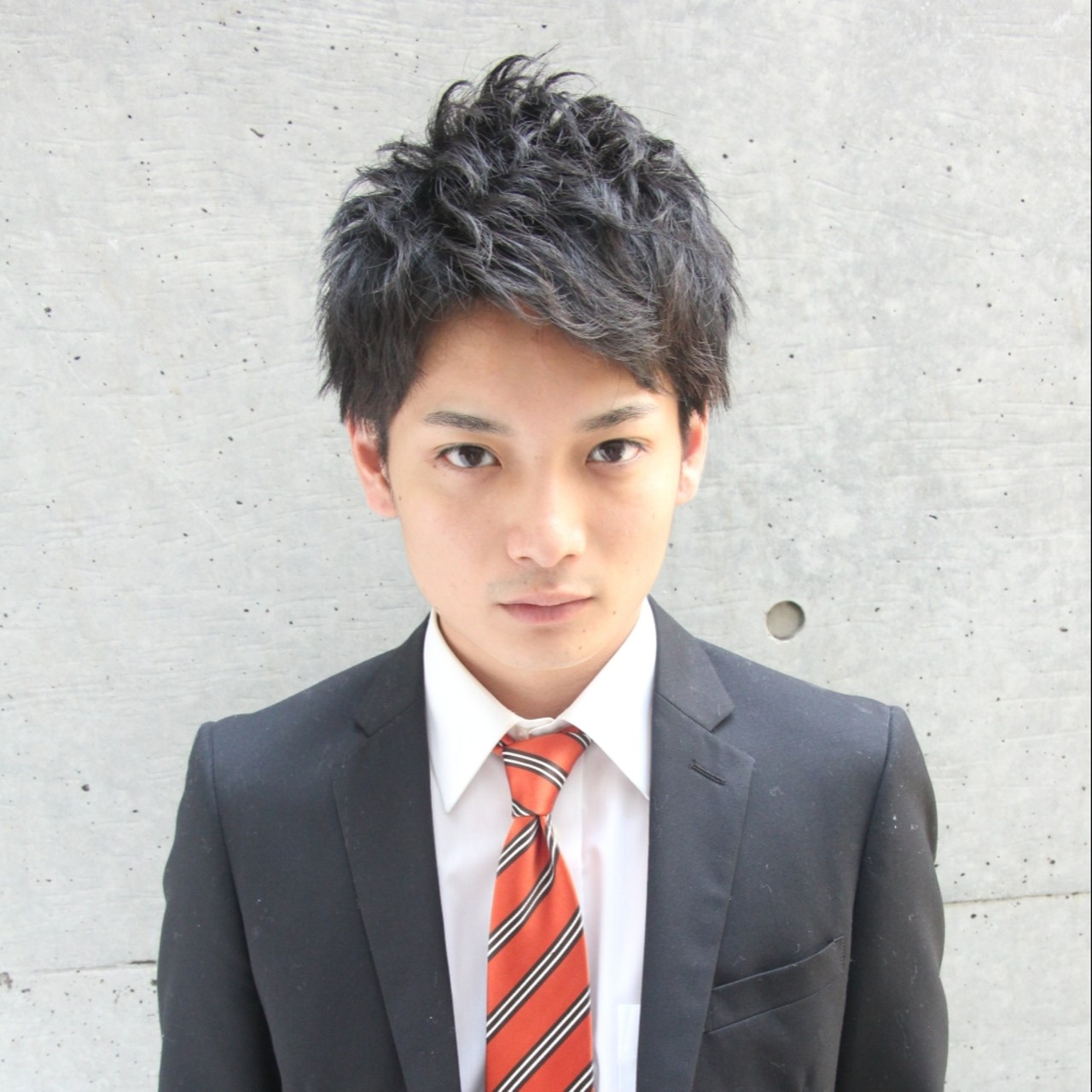 スーツに似合うメンズショートヘア
