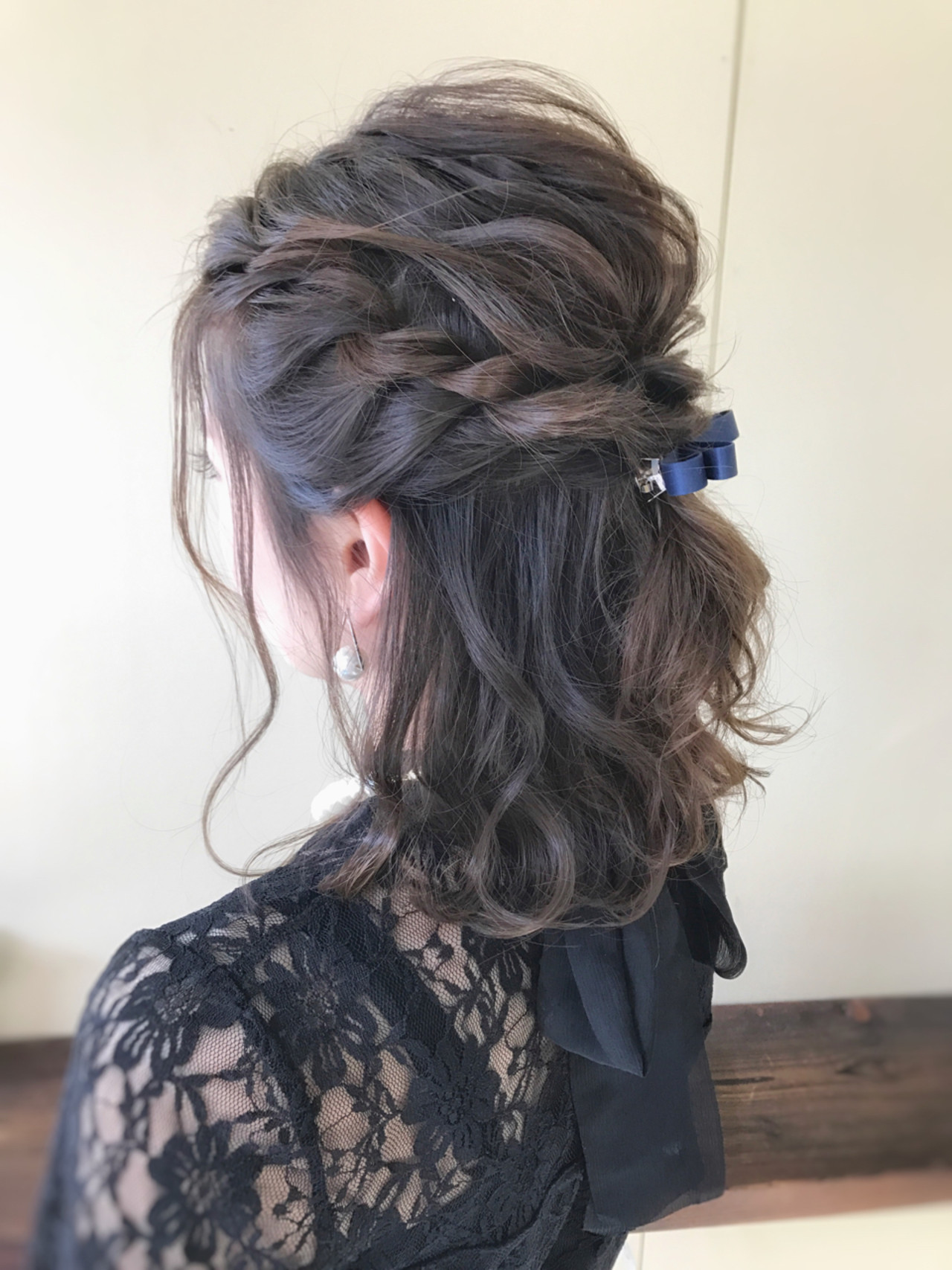 フェミニン ヘアアレンジ ミディアム 結婚式 ヘアスタイルや髪型の写真・画像 | サワ / Seamu