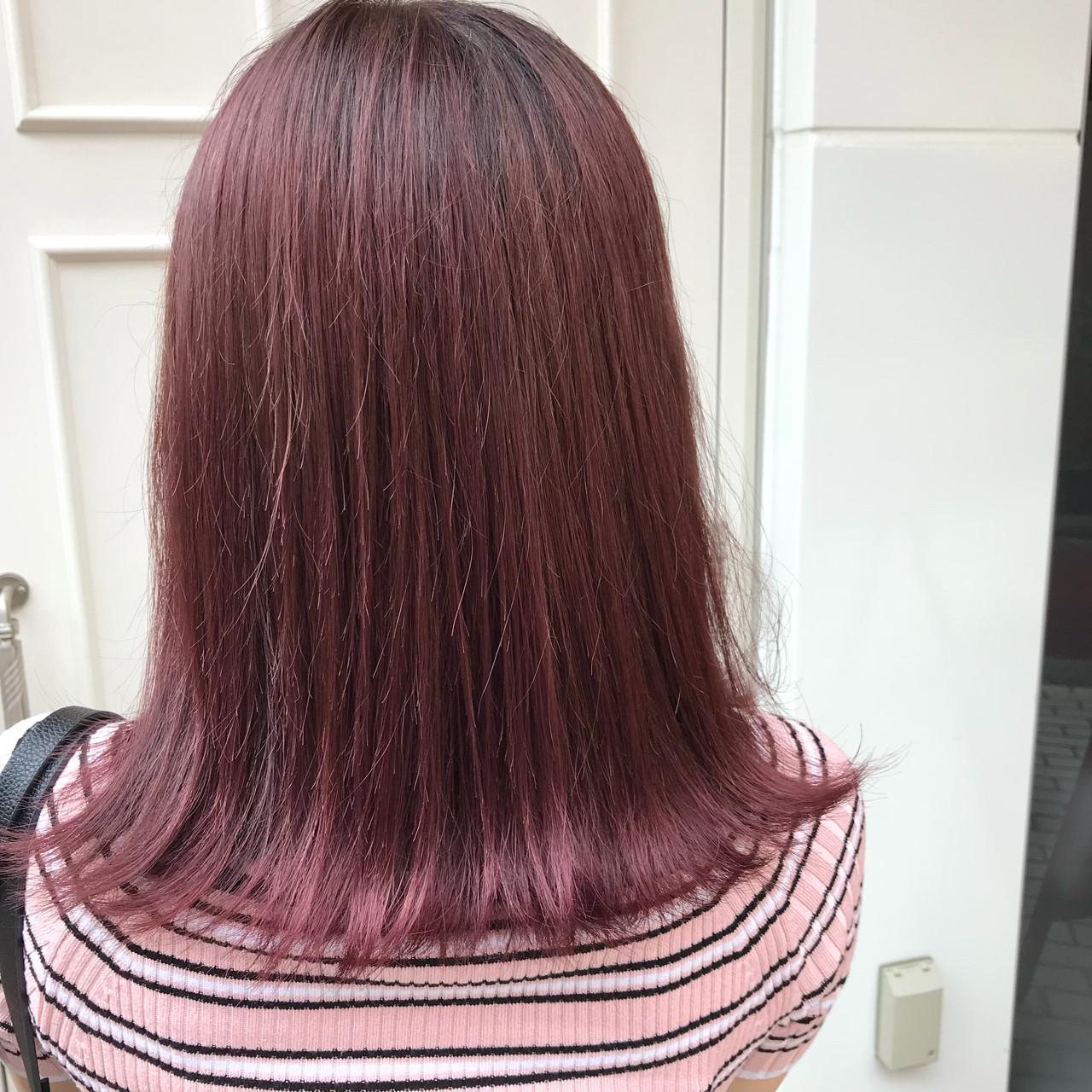 ピンク デート フェミニン イルミナカラー ヘアスタイルや髪型の写真・画像