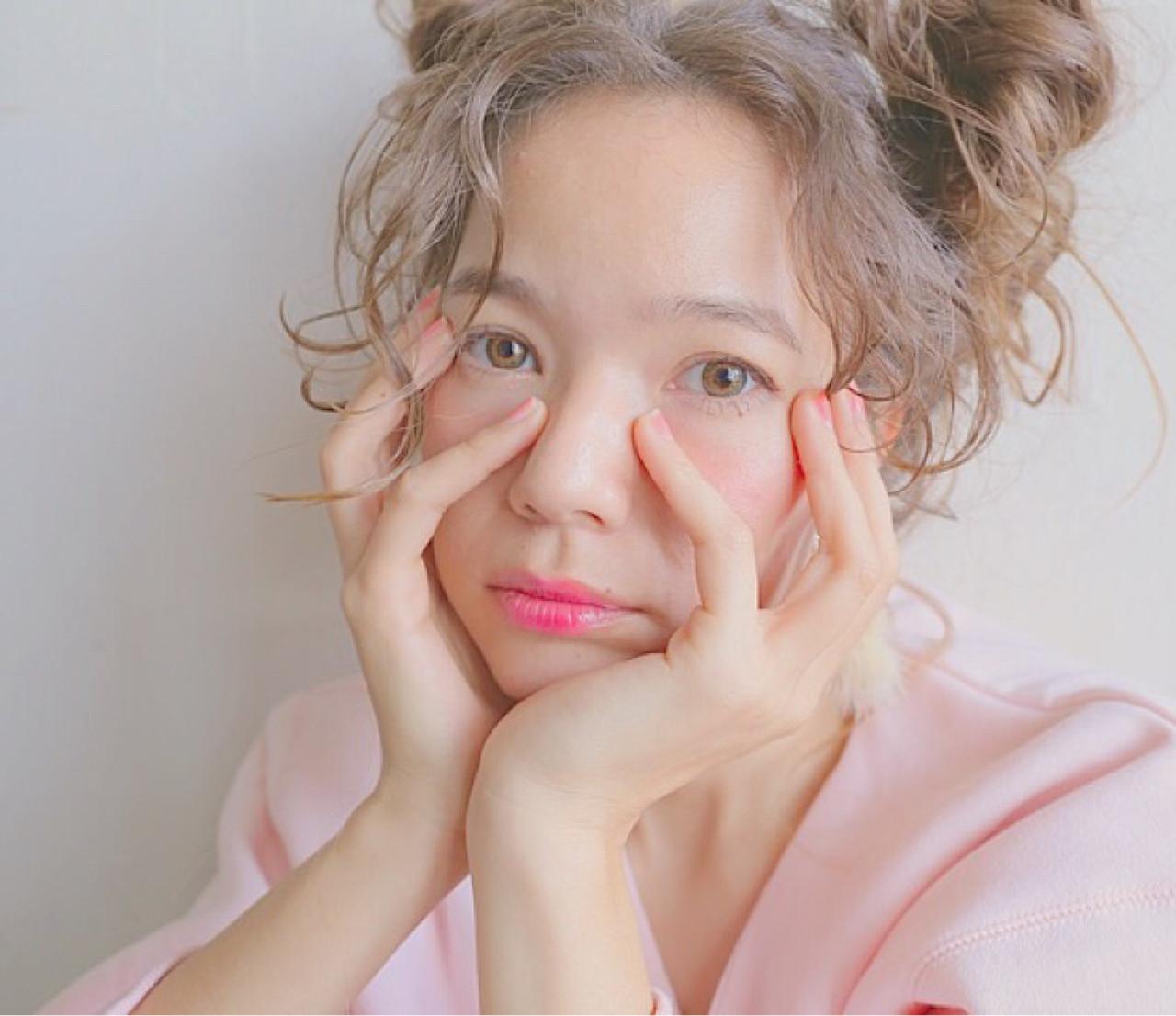外国人風 ヘアアレンジ アッシュベージュ ショート ヘアスタイルや髪型の写真・画像   米澤 香央里 / SYAN