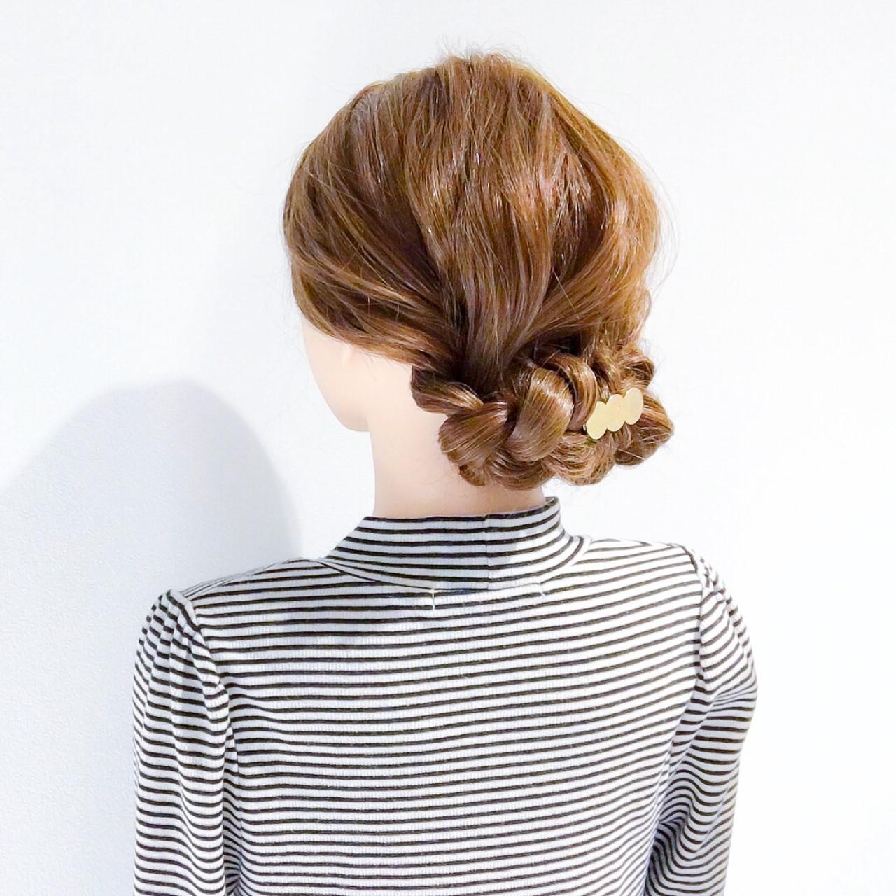 簡単ヘアアレンジ 上品 オフィス ロング ヘアスタイルや髪型の写真・画像   美容師HIRO/Amoute代表 / Amoute/アムティ
