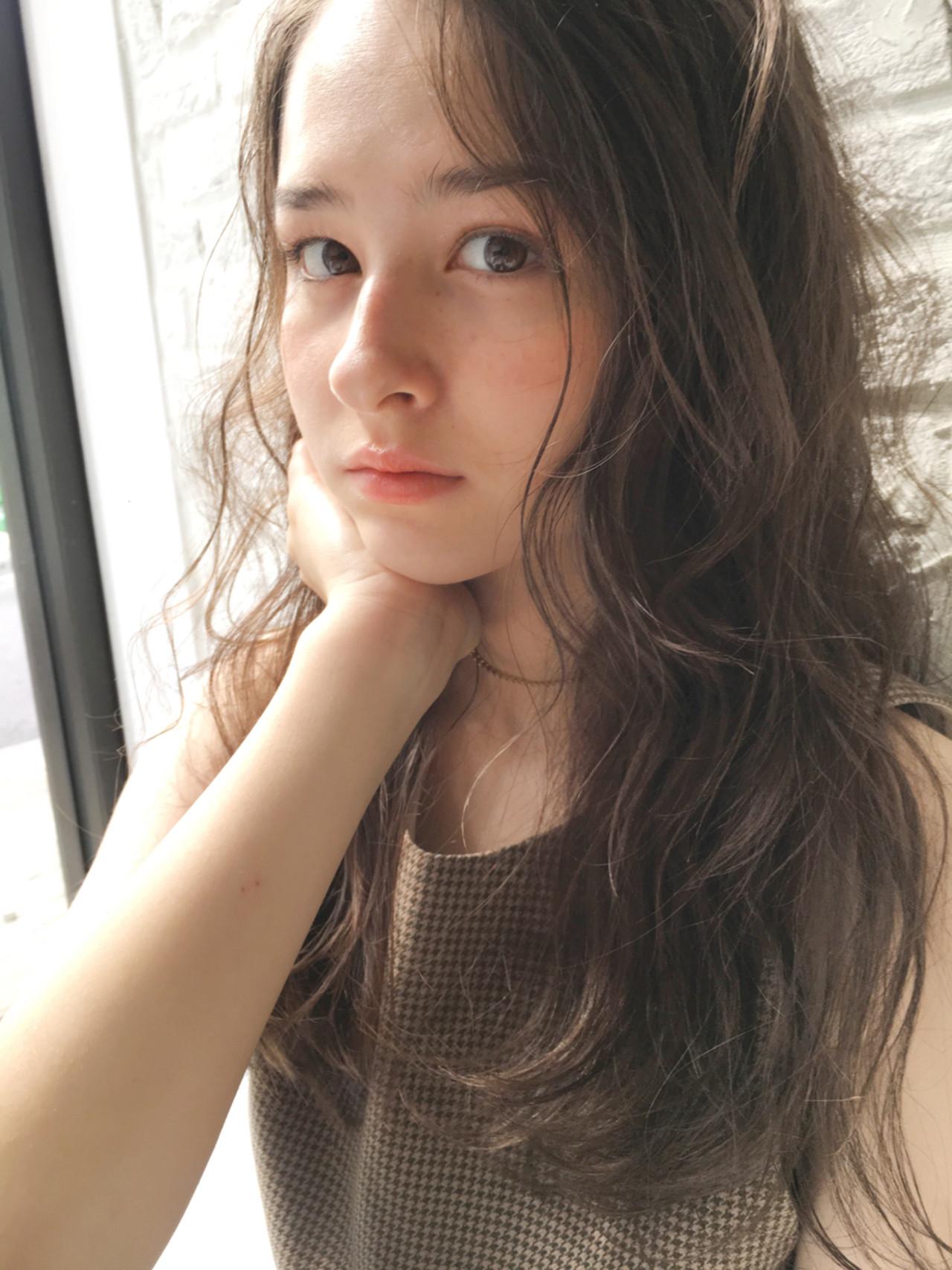 パーマ 秋 ガーリー 透明感 ヘアスタイルや髪型の写真・画像