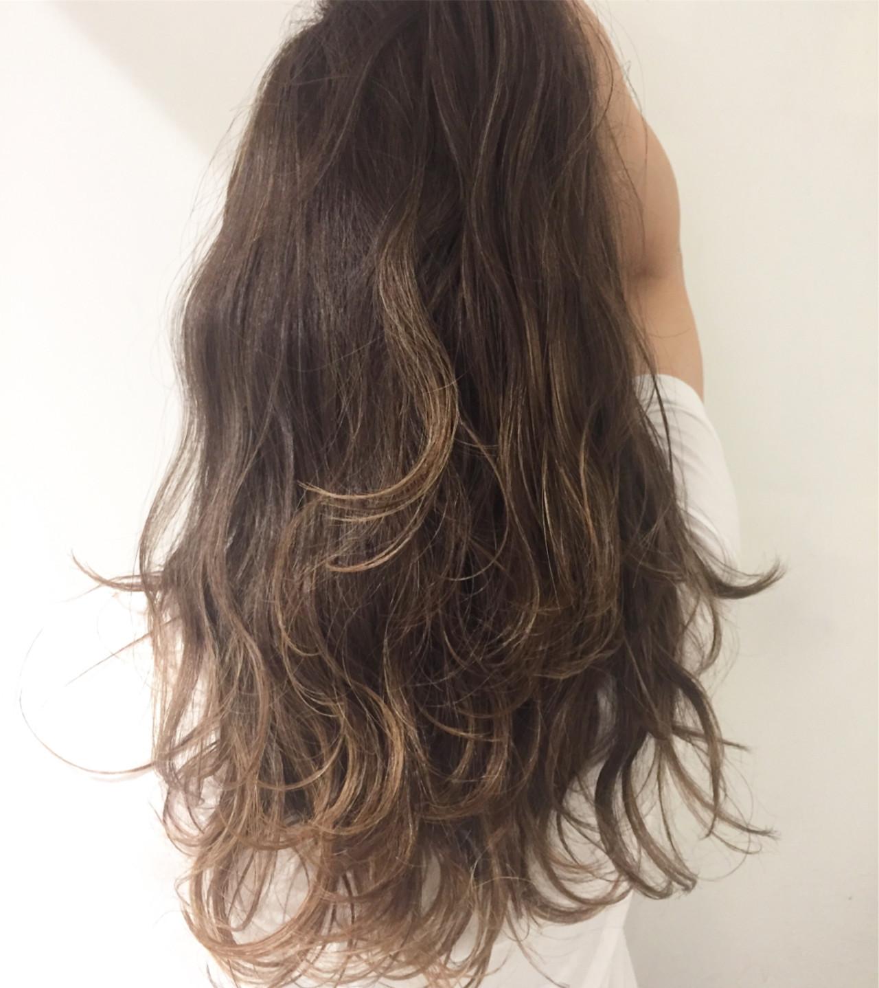 ハイライト グレージュ 外国人風カラー ロング ヘアスタイルや髪型の写真・画像 | 大石 卓 / Ticro hair