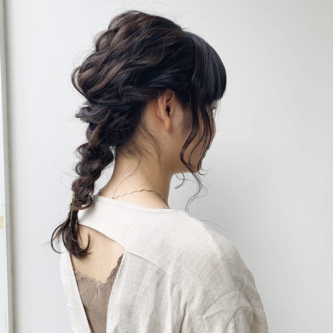 セミロング ガーリー ポニーテールアレンジ セルフヘアアレンジ ヘアスタイルや髪型の写真・画像