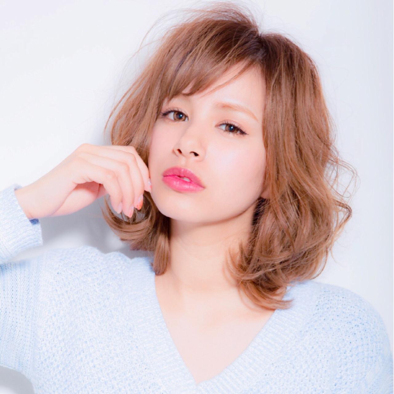 色気 ナチュラル ショートバング グレージュ ヘアスタイルや髪型の写真・画像 | すーちゃん /