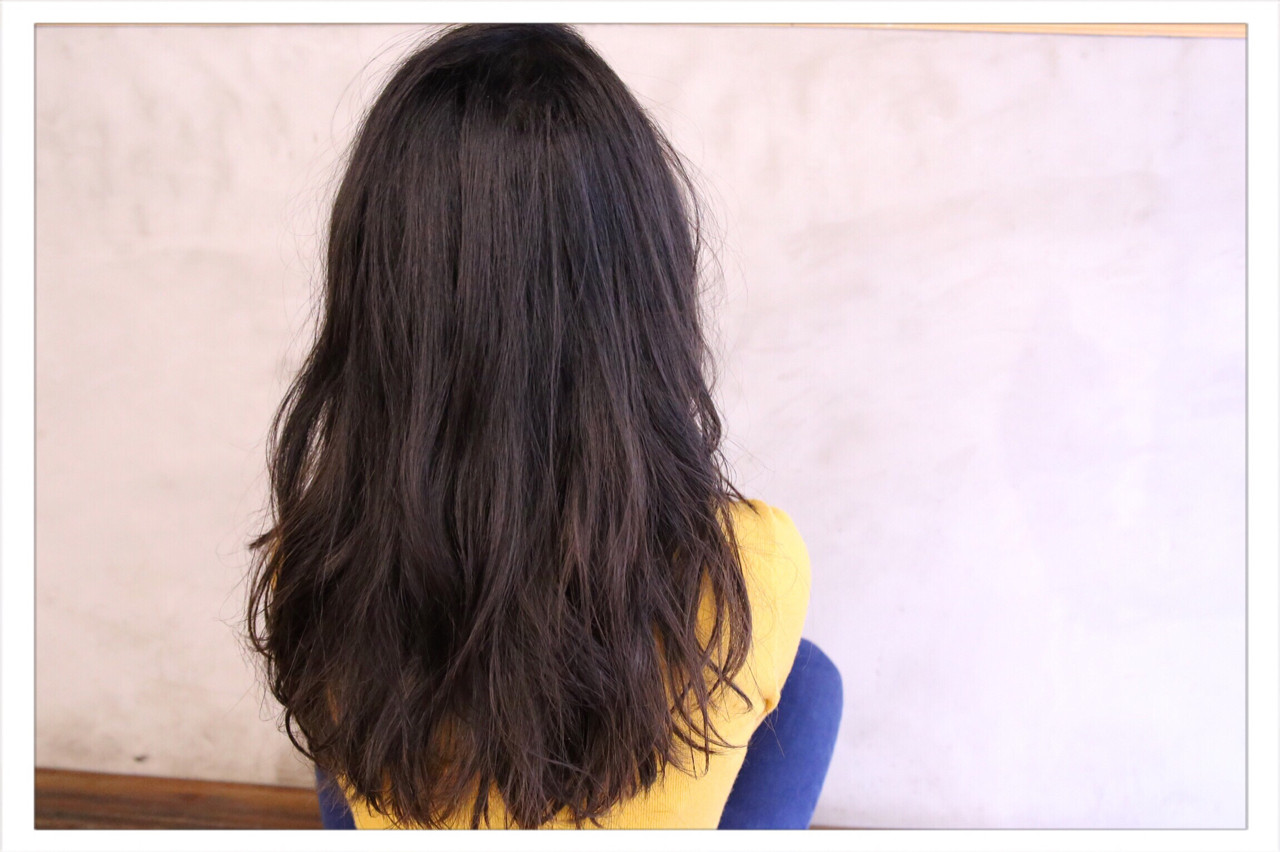 暗髪 外国人風 大人女子 ナチュラル ヘアスタイルや髪型の写真・画像 | 小野 圭介 / Salon de SADAM / Salon de SADAM (サロン ド サダム)