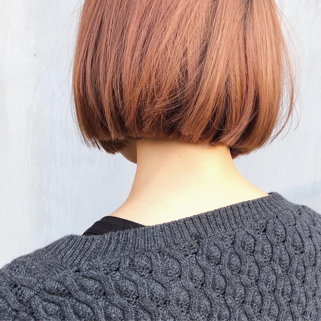 切りっぱなしボブ ダブルカラー デート ミニボブ ヘアスタイルや髪型の写真・画像 | 篠崎 佑介 / ticro.