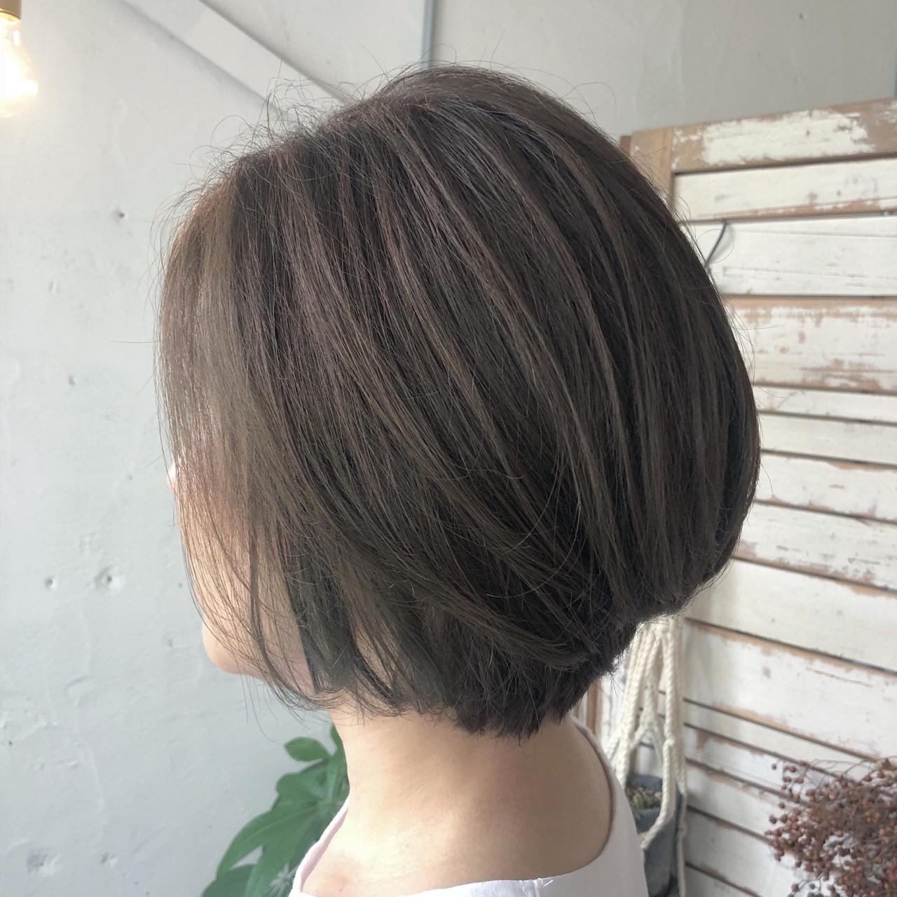 デート イルミナカラー 透明感 ナチュラル ヘアスタイルや髪型の写真・画像