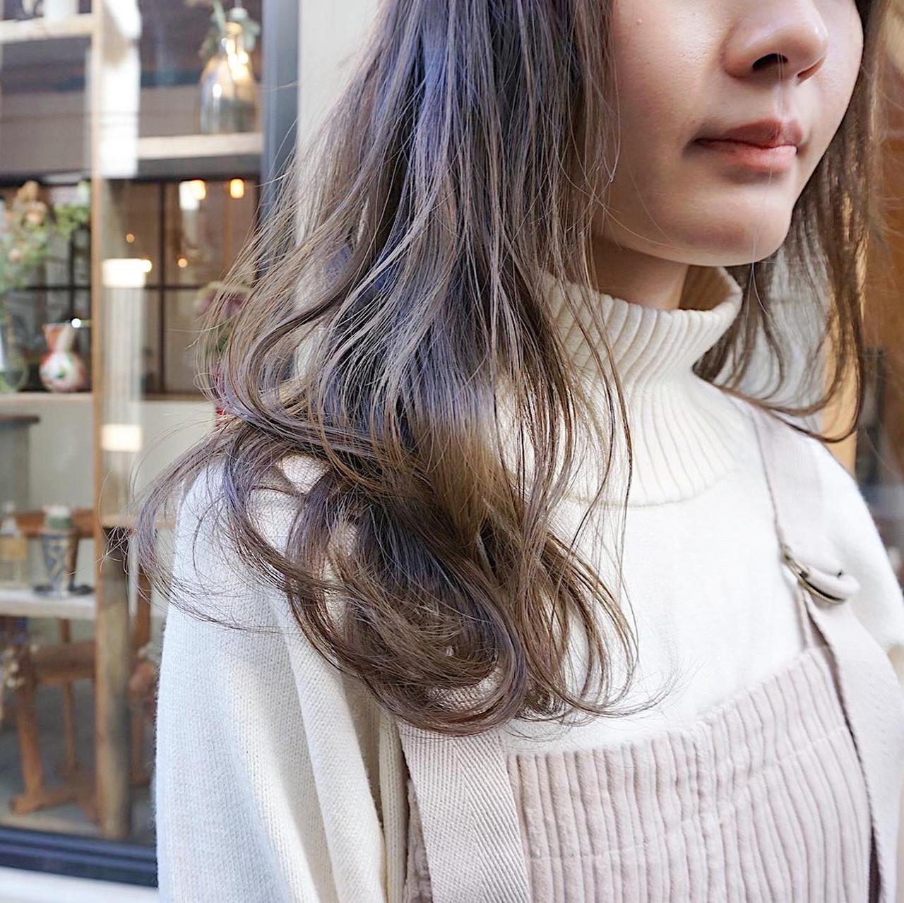 ミディアム アンニュイほつれヘア ナチュラル 透明感カラー ヘアスタイルや髪型の写真・画像 | 冨永 真太郎 / 人トナリ