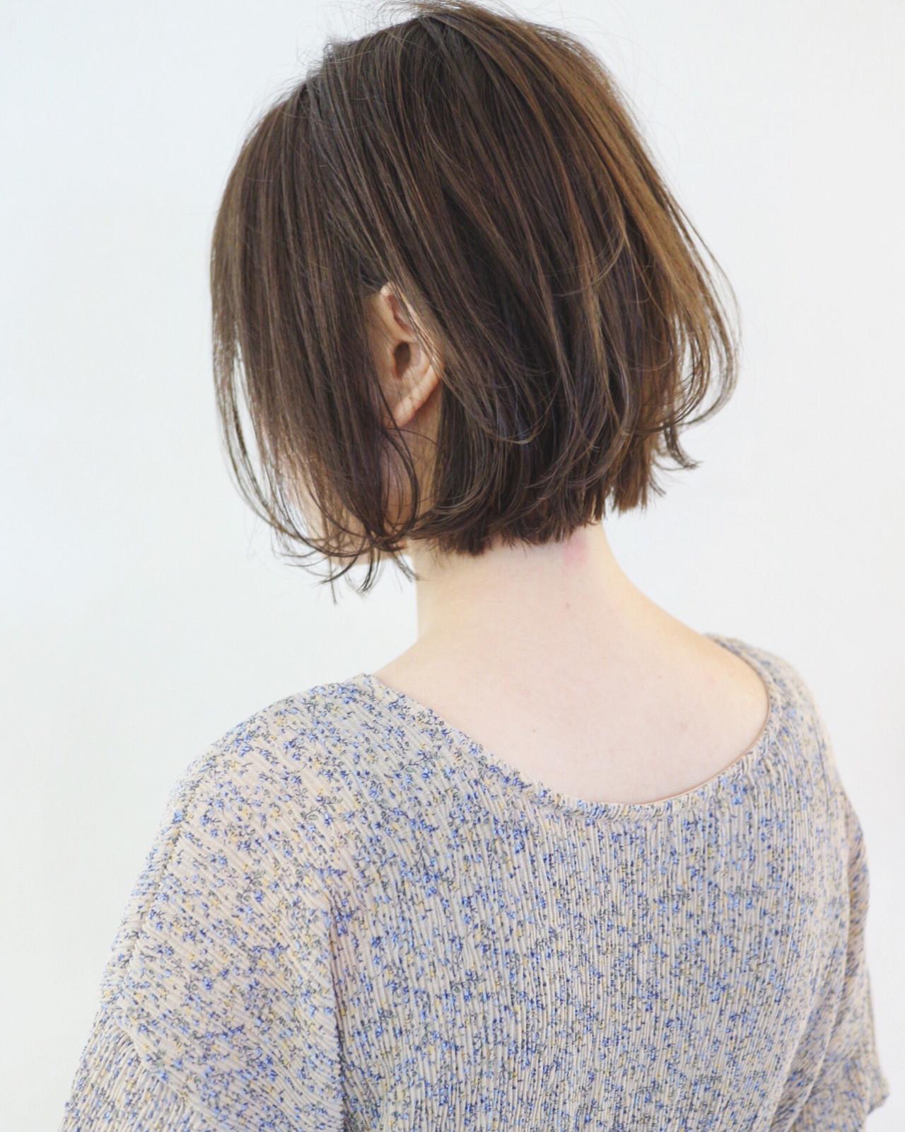 グレージュ パーマ 外国人風カラー 外ハネボブ ヘアスタイルや髪型の写真・画像