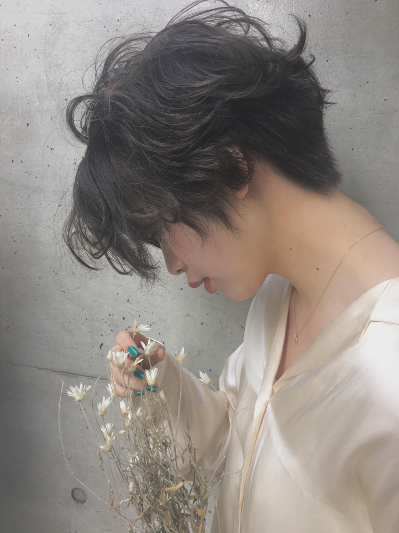 フリンジバング 前髪あり パーマ ナチュラル ヘアスタイルや髪型の写真・画像 | 井上 彩 / Luxe