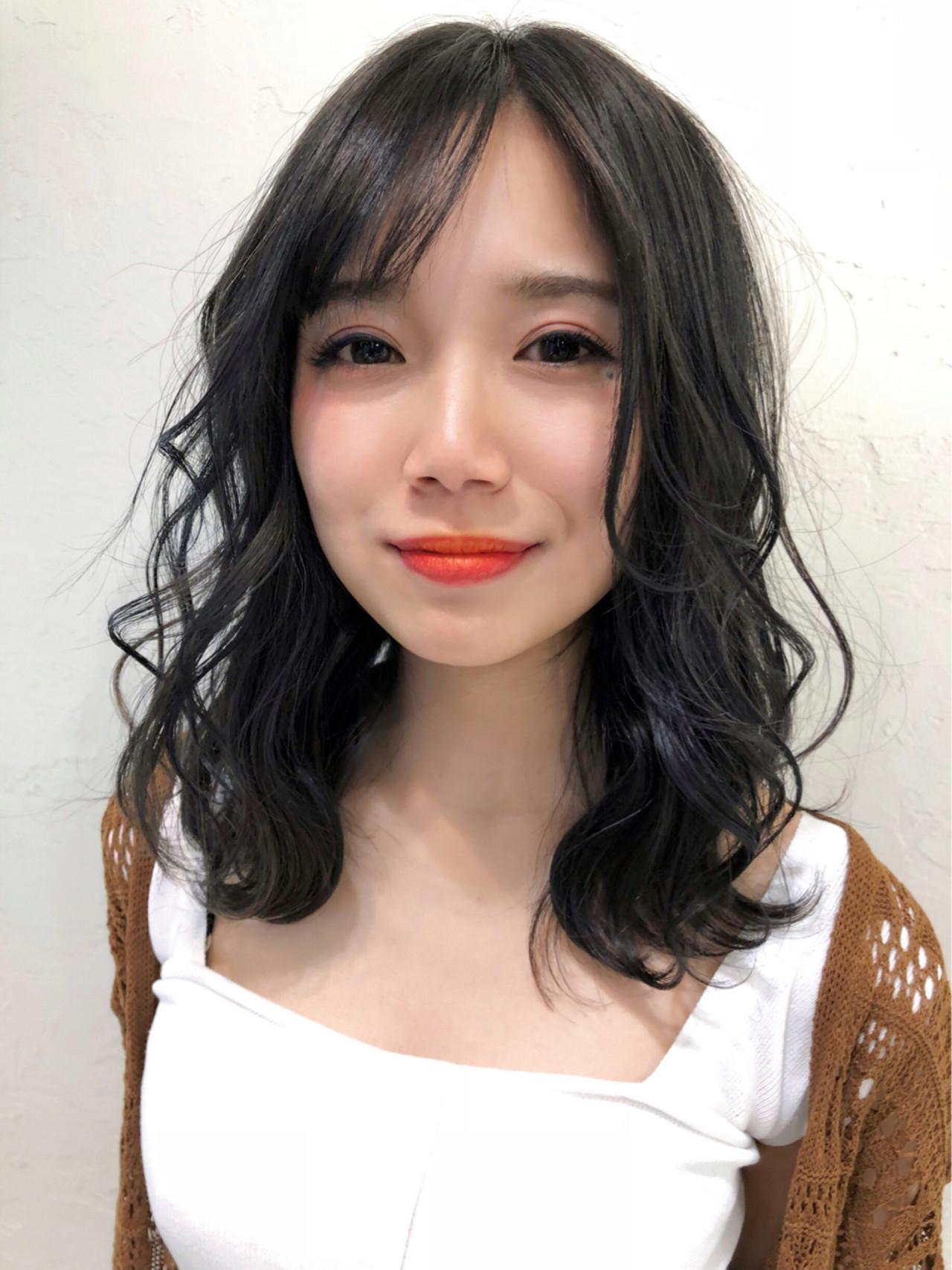 暗髪 ミディアム ゆるふわ グレージュ ヘアスタイルや髪型の写真・画像 | 池田 詩織 / BUMP